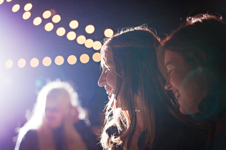 mcleod-montana-wedding-female-guest-laughing.jpg