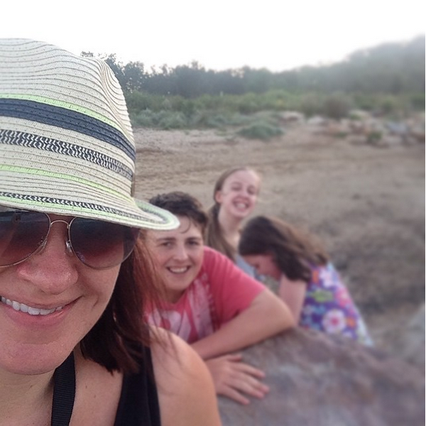 Libby Millington @craftitupcreative Instagram with her kids
