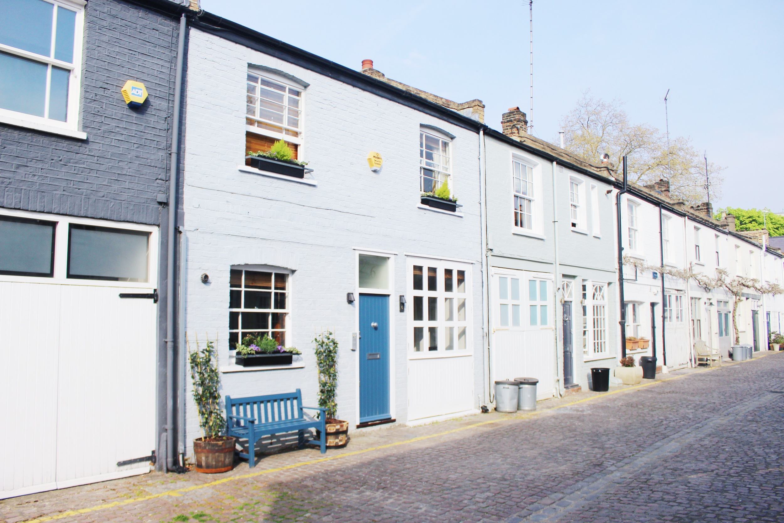 Notting Hill Charm - Mews | Sundays and Somedays