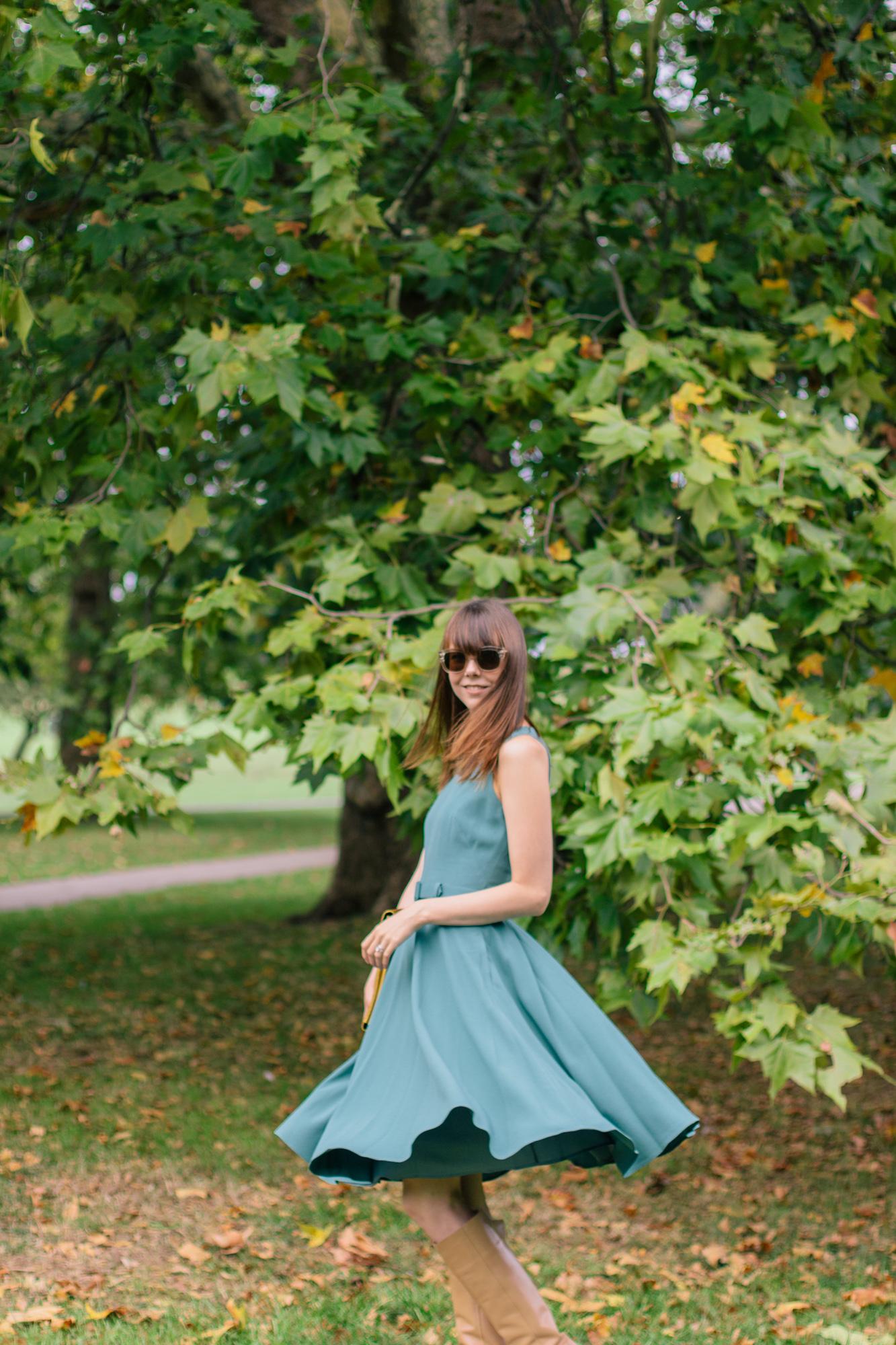 Gal Meets Glam Kaye Dress London Fall-4.jpg