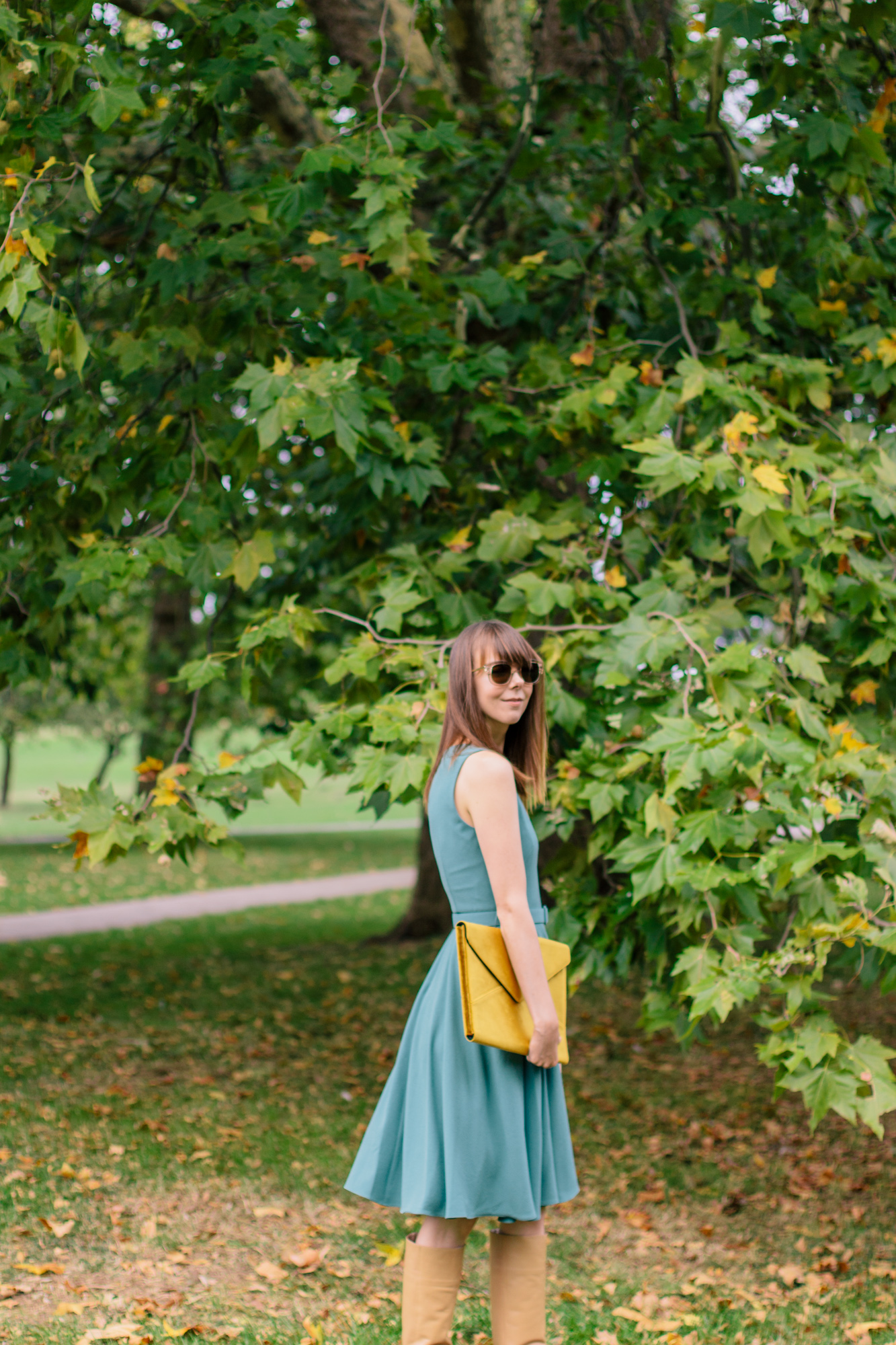 Gal Meets Glam Kaye Dress London Fall-5.jpg