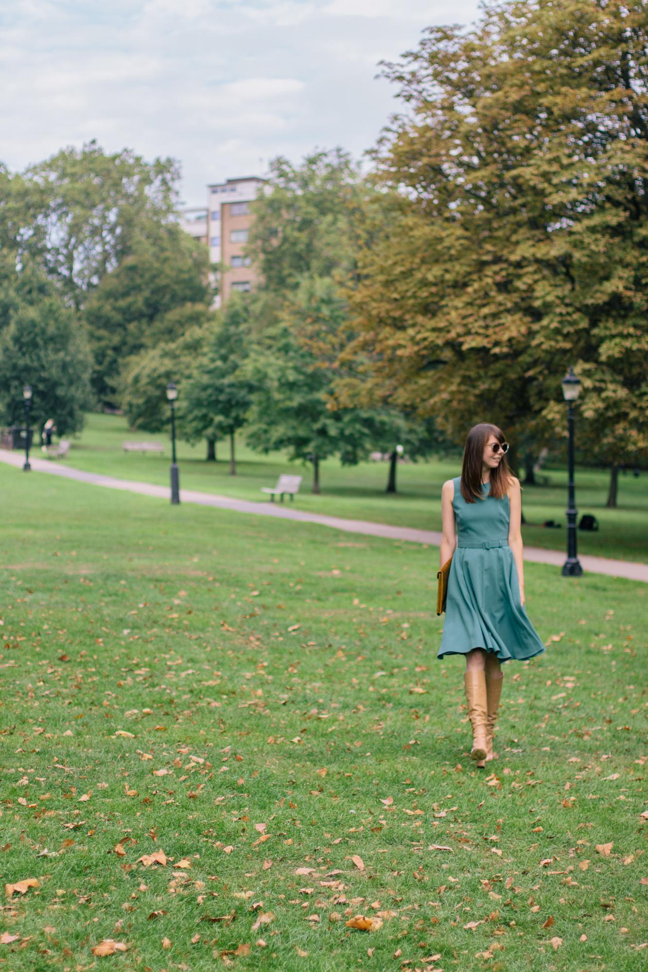 Gal Meets Glam Kaye Dress London Fall-19.jpg