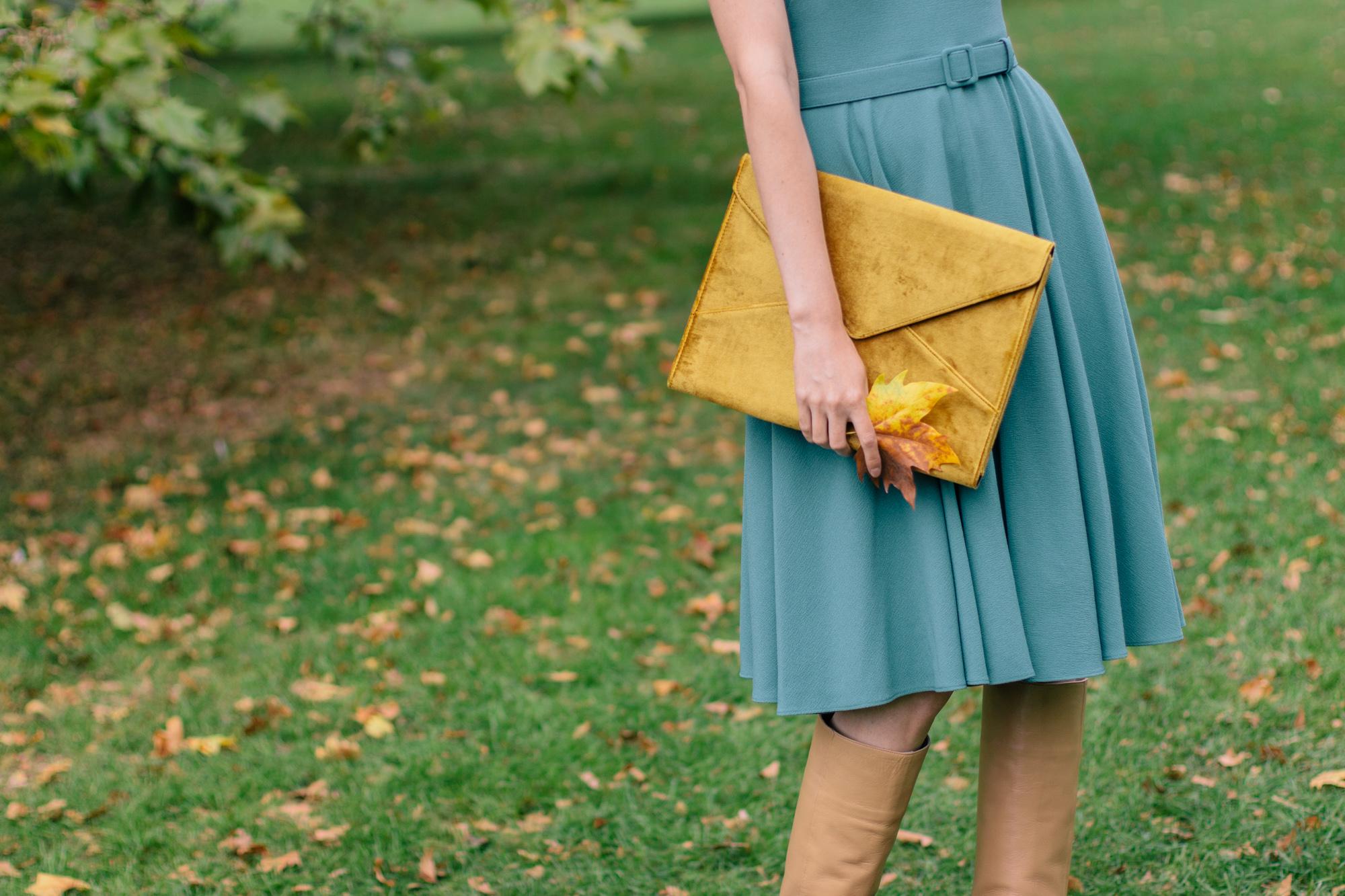 Gal Meets Glam Kaye Dress London Fall-26.jpg