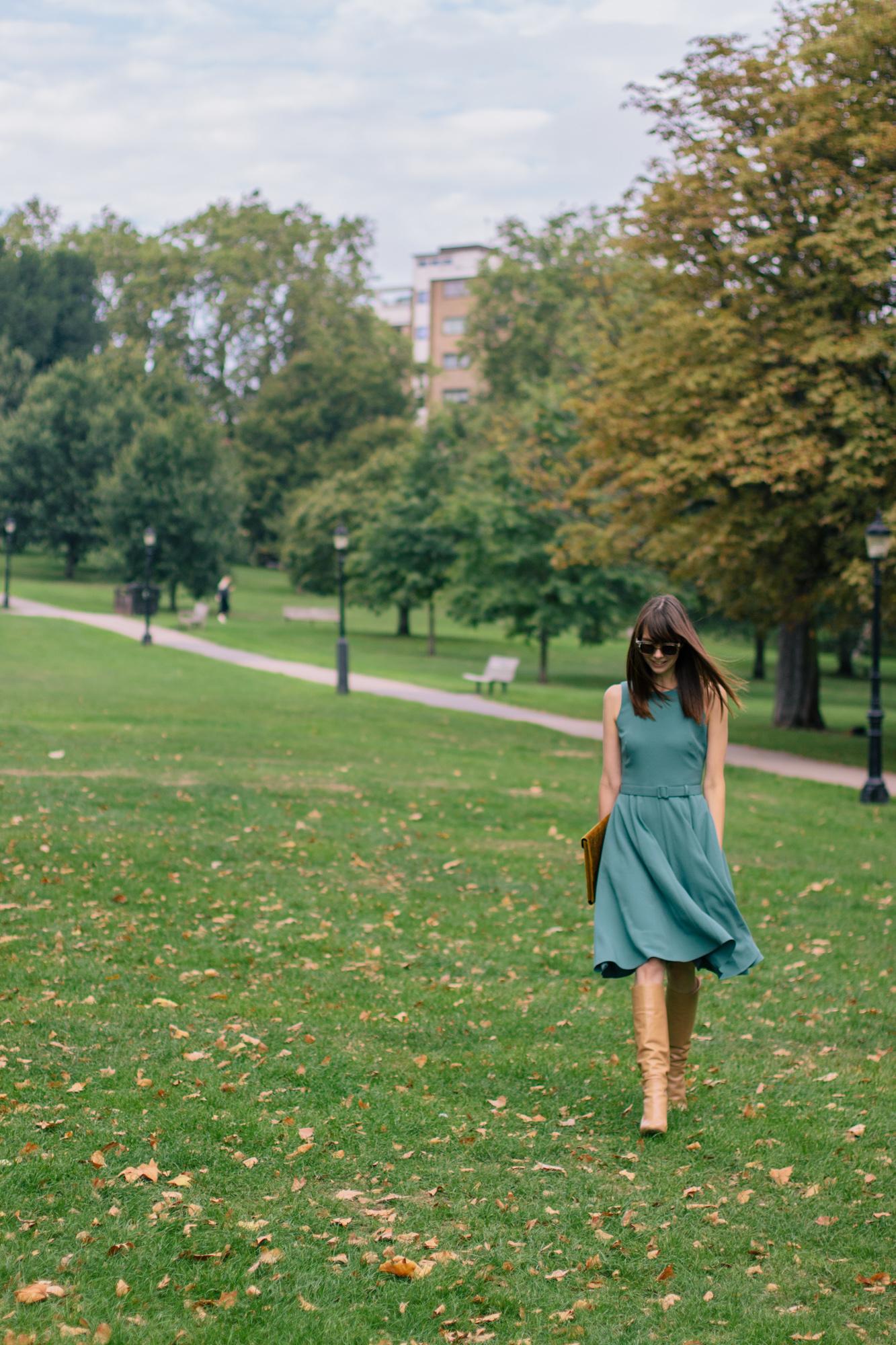 Gal Meets Glam Kaye Dress London Fall-20.jpg