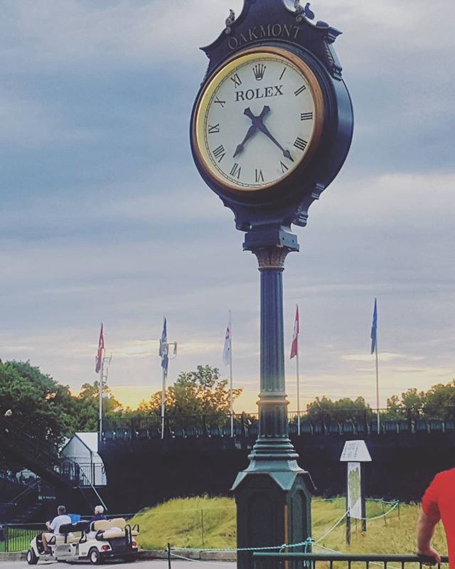 Looking at my Rollie It's about that time @bscot4c  #rolex #oldmoney # oldschool #clock #watch #time #golf #catering  #morning #llcoolj #swv #guccimane #hiphop #daughtersofthemill