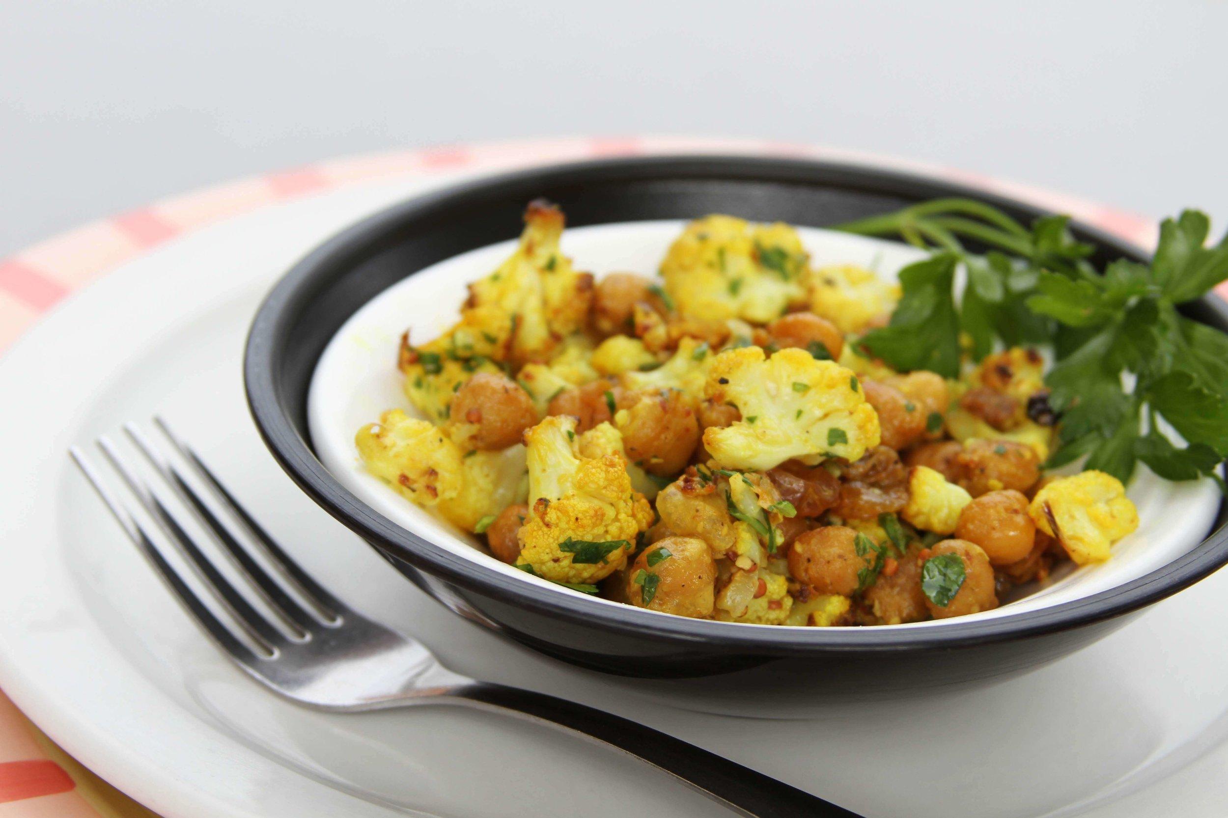 Rosted Cauliflower Chick Pea Salad. phot. Katie Schmidt.jpg