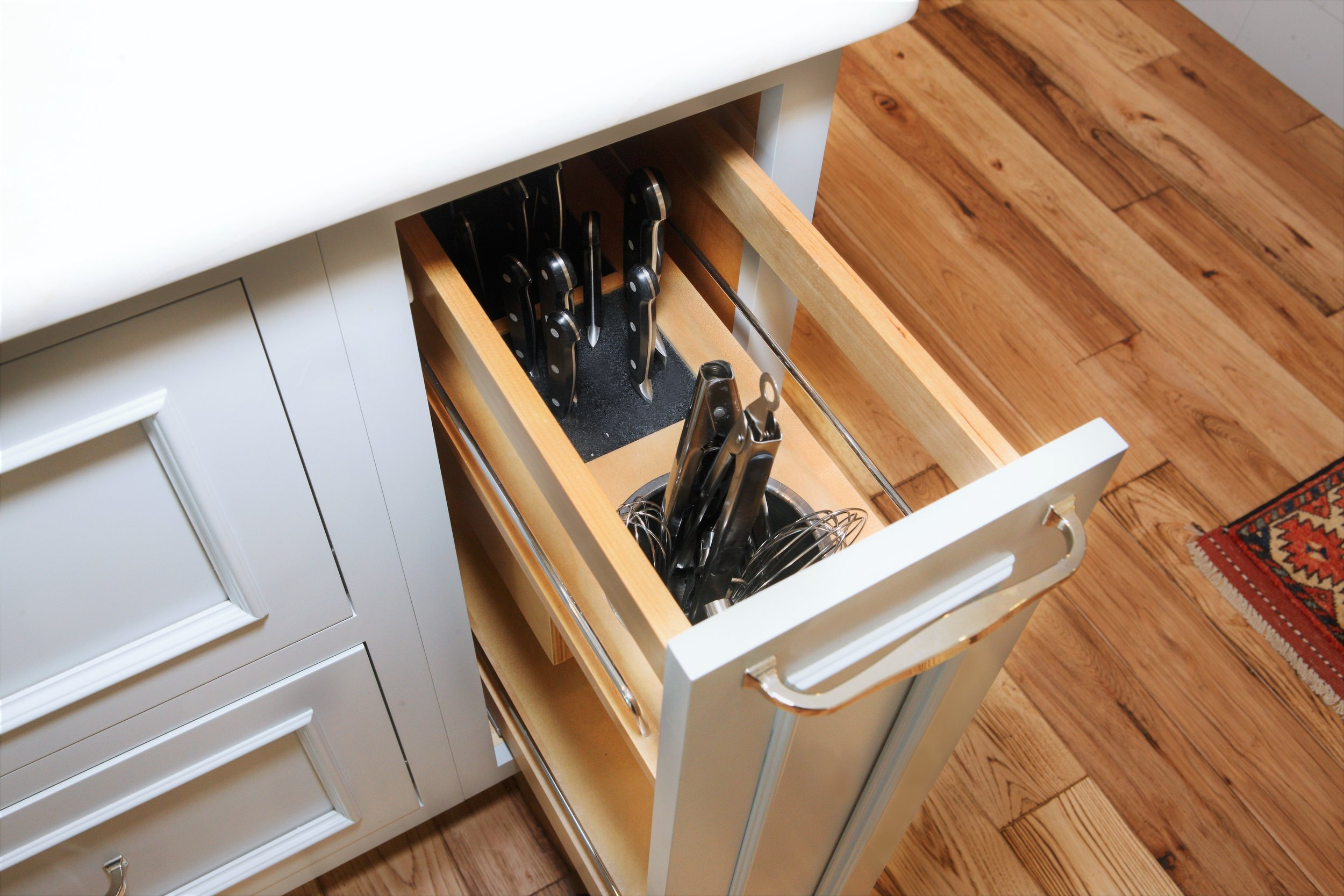 Unique knife and kitchen organizer for frequently used items.