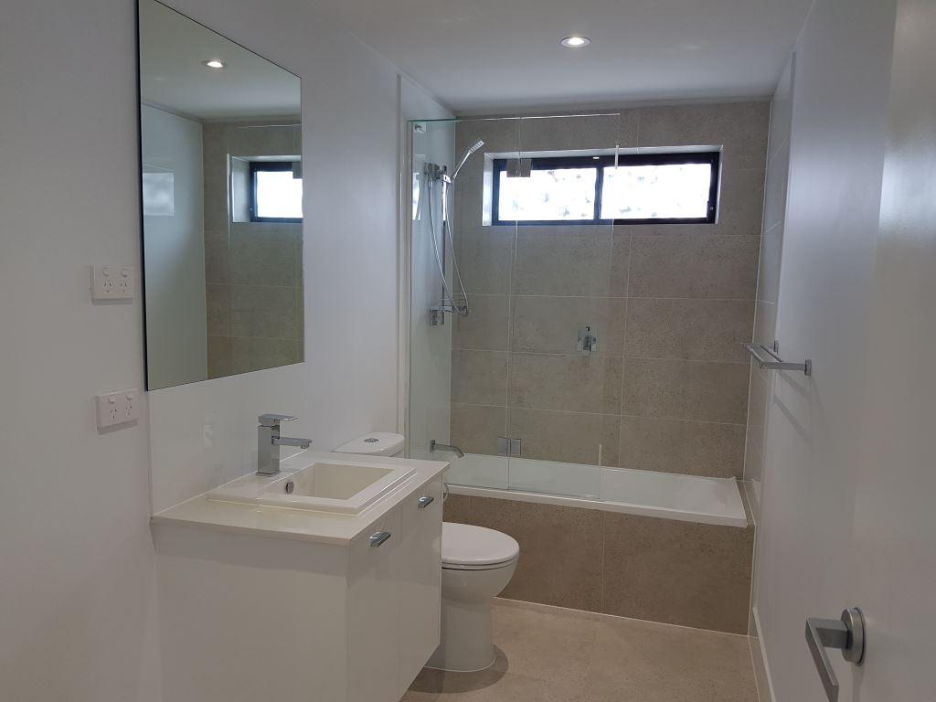 bathroom unit 17.jpg