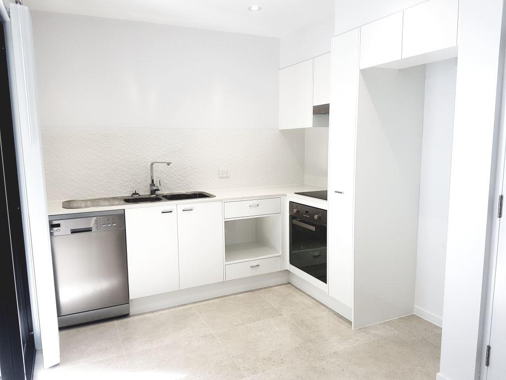 Unit 17 kitchen.jpg