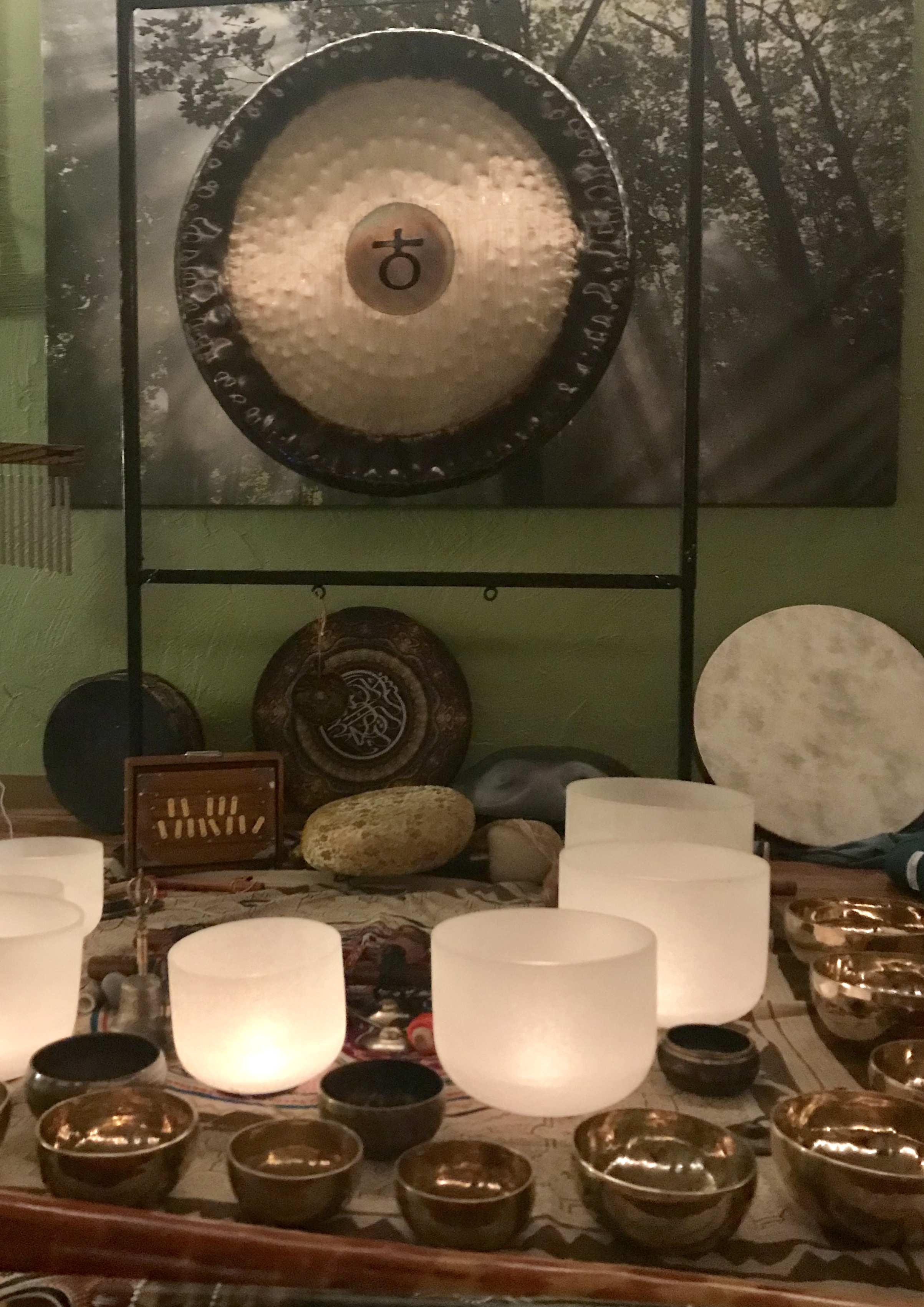 Sound bowls + gong