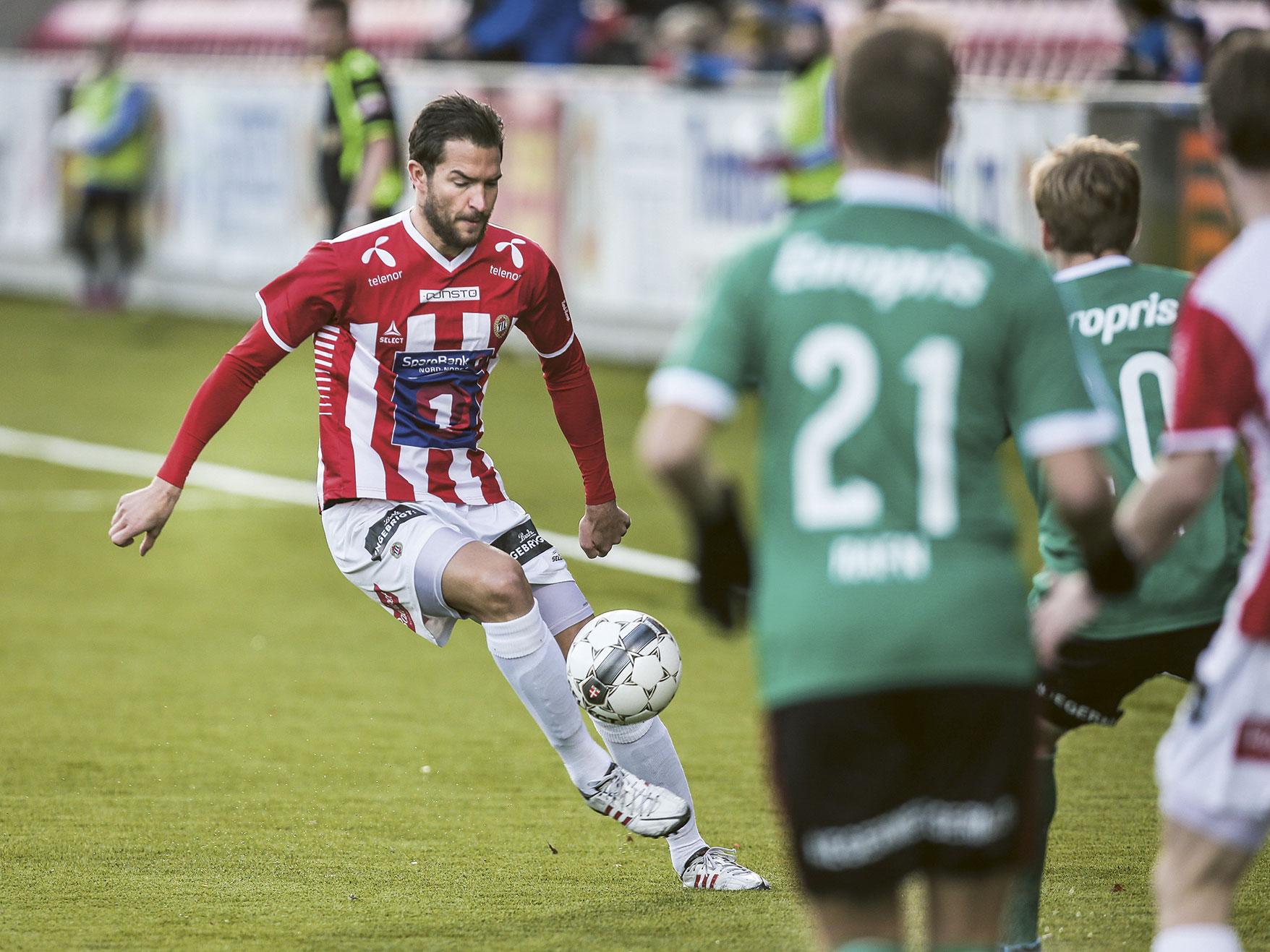 Fra 2015 heter 1. divisjon OBOS-ligaen. Her fra fjorårets sesong da Tromsø spilte mot Fredrikstad. Foto: Nadia Frantsen.