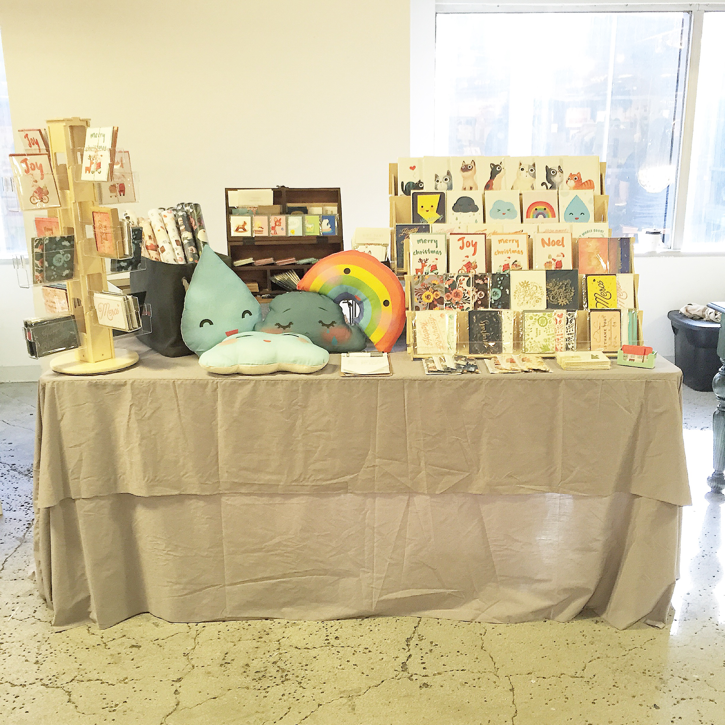 my table set up :> I call this the successful example of economy of space!