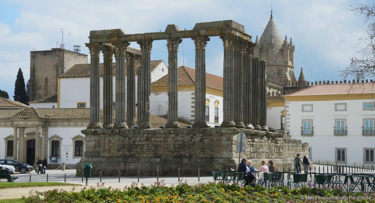 3159-les-ruines-du-temple-romain-a-evora-1200x650-1.jpg