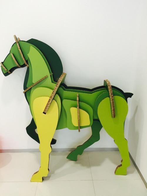 storaenso_blindapplying_paperhorse