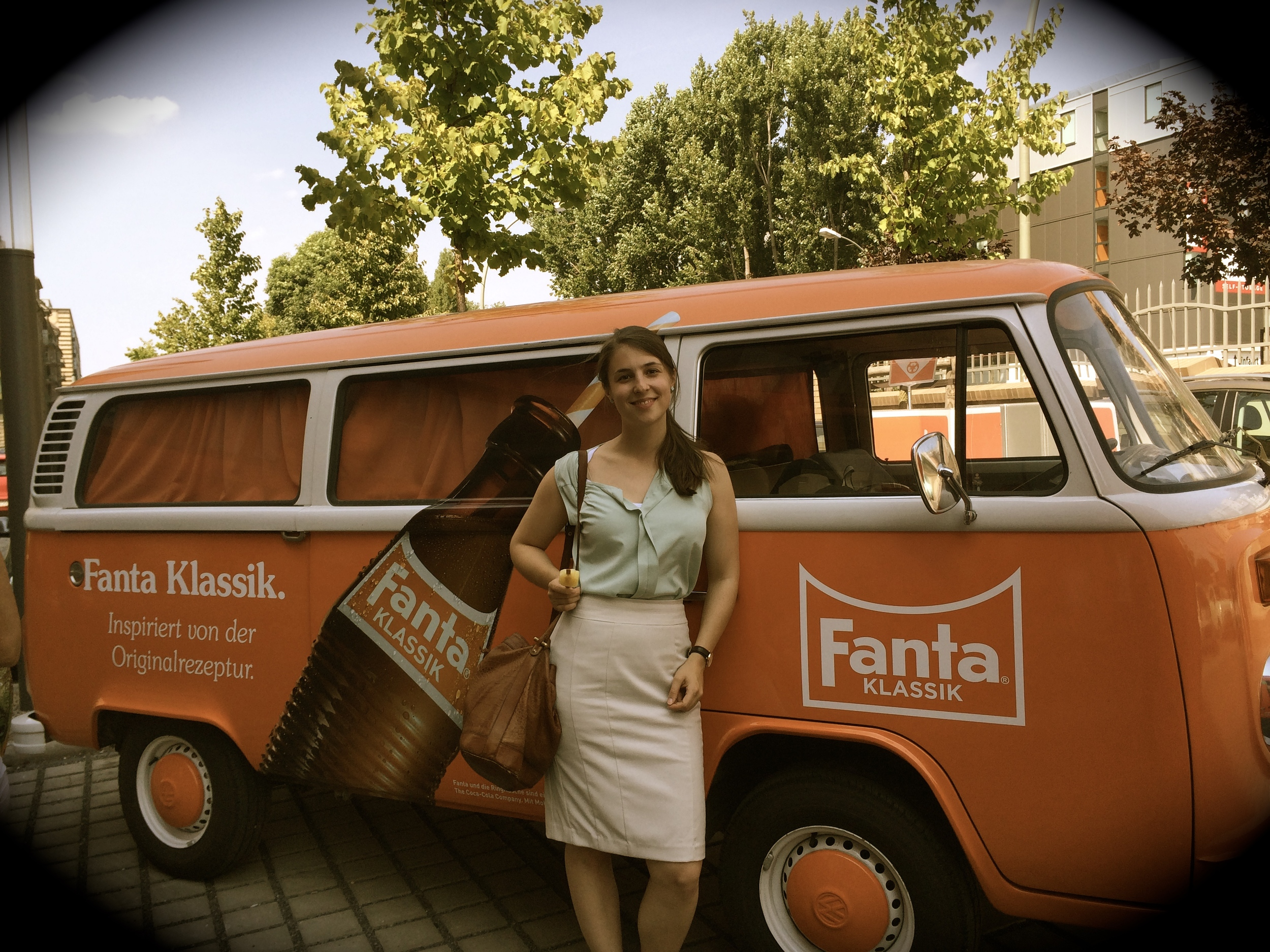 cocacola_blindapplying_fantaclassicvan.jpg