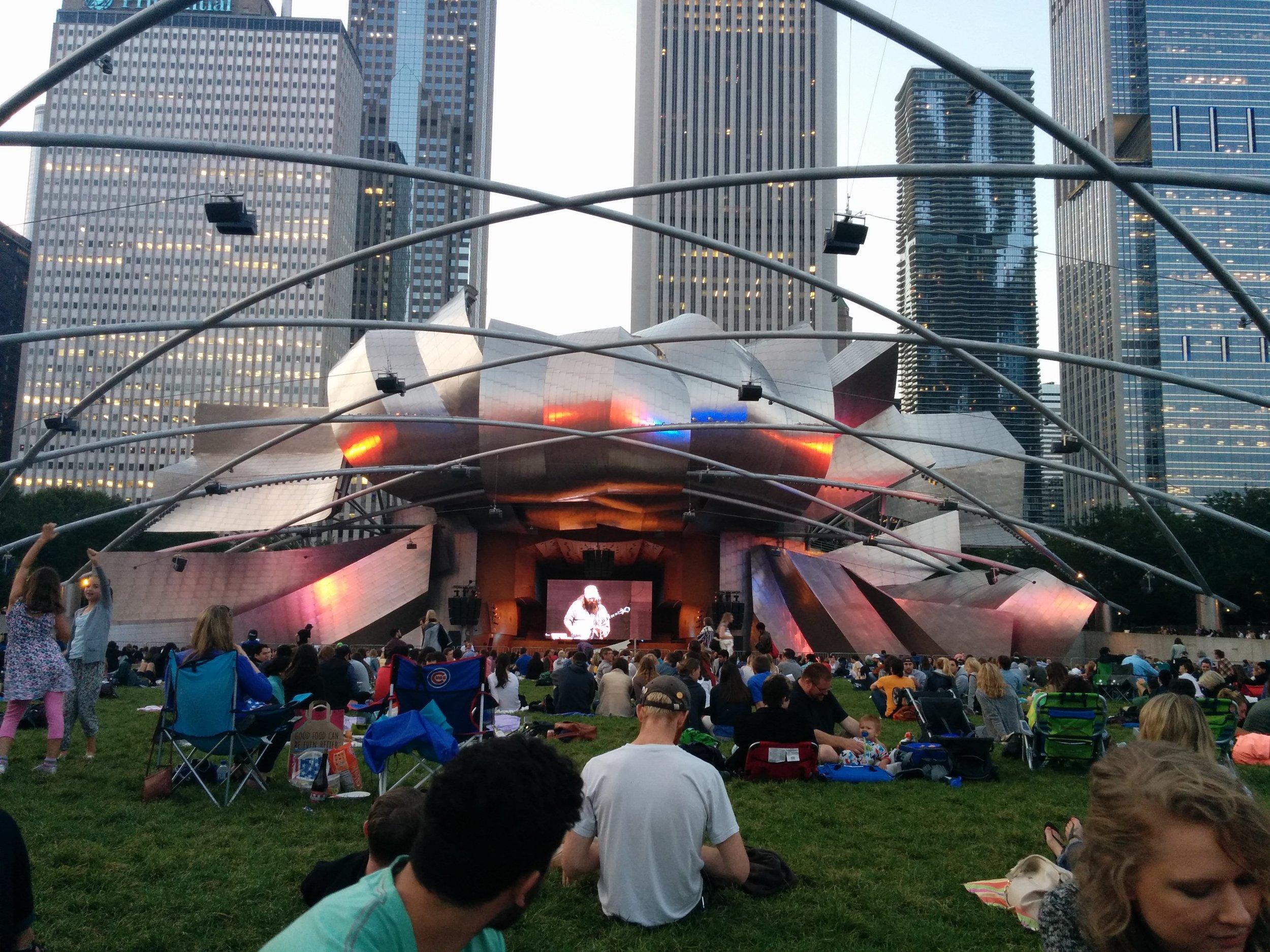 blindapplying_deutschetelekom_chicagopark.jpg