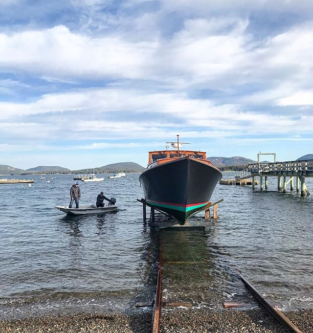 Hauling season. 37' Bunker & Ellis headed up the rail. #newmanandgray #bunkerandellis #woodenboat #mainebuiltboats