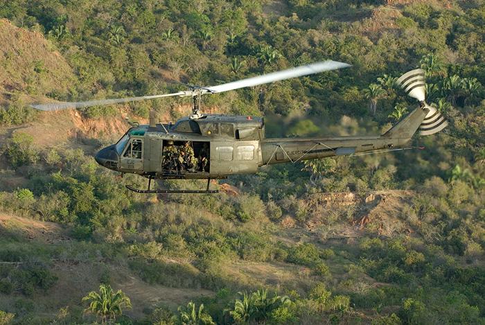 UH-1N_011.jpg