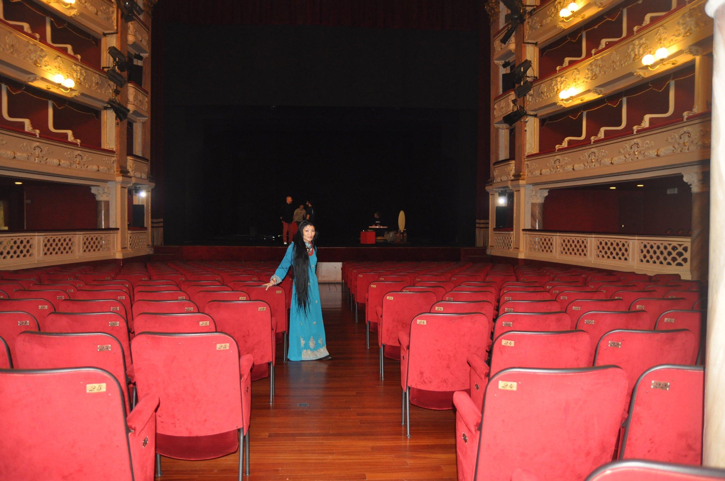 Yungchen Belgium theatre.jpg