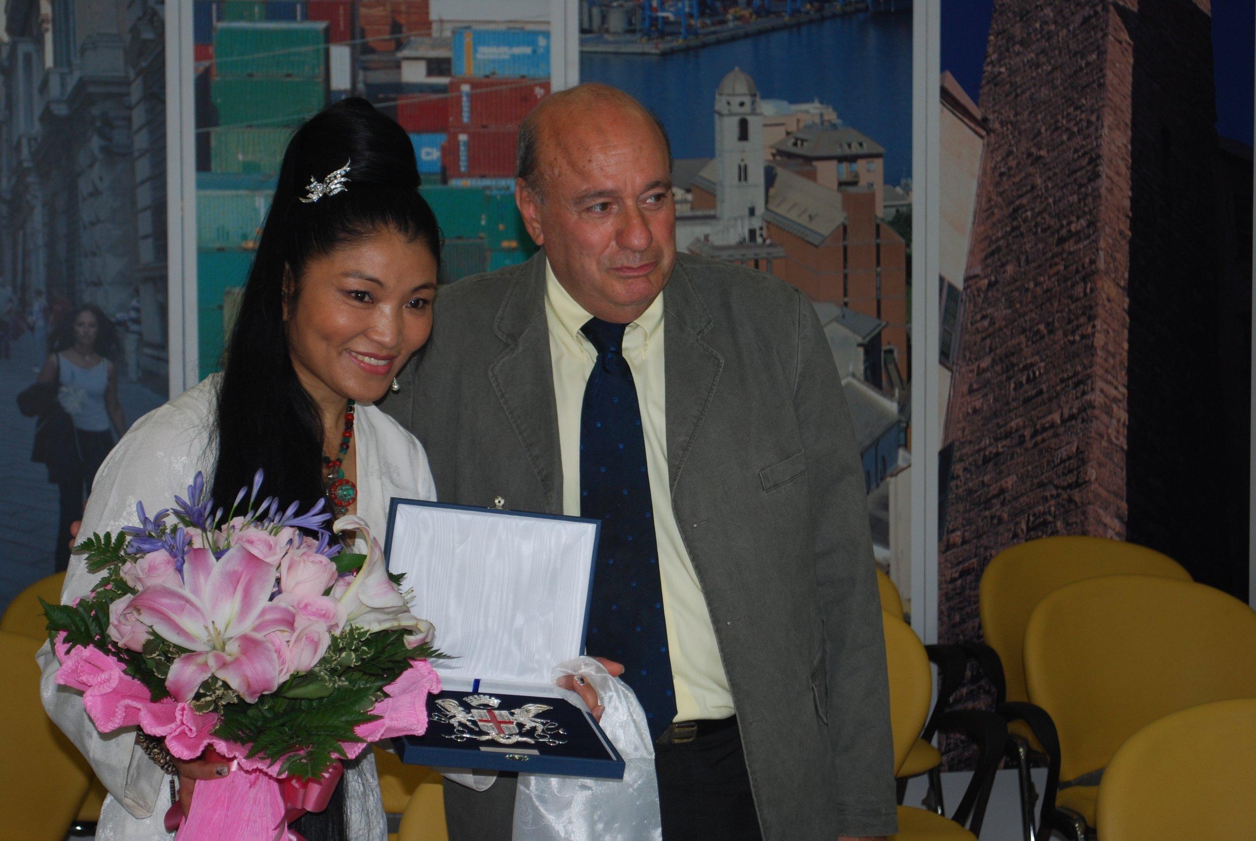 Yungchen peace award geneva italy.jpg