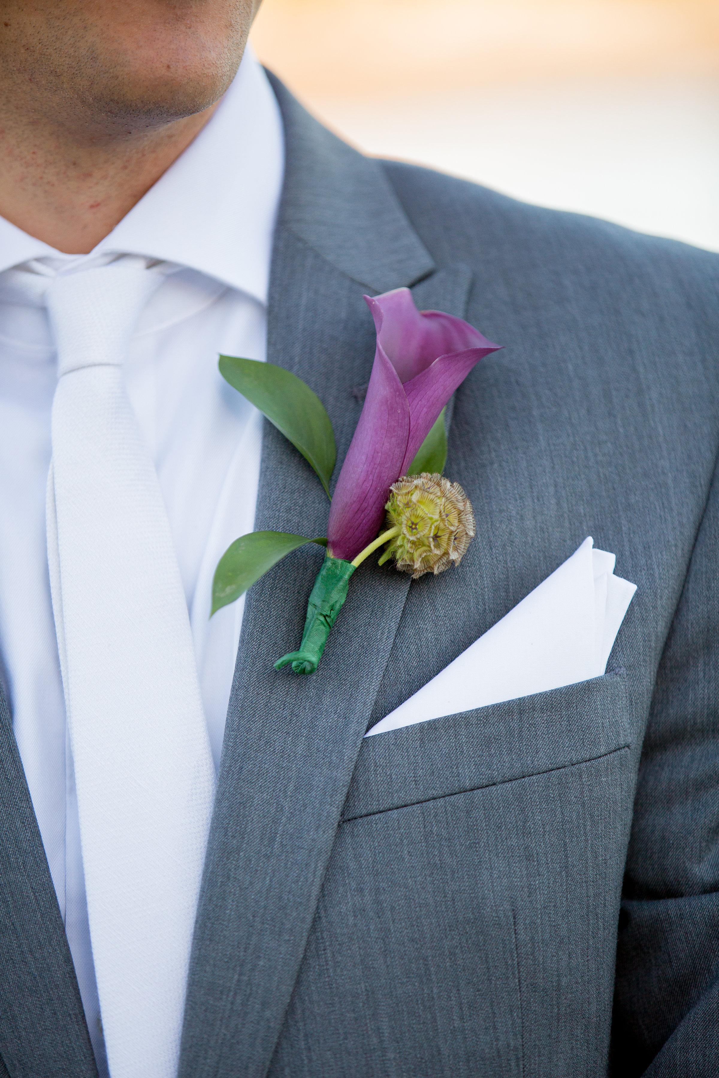 grooms-flower