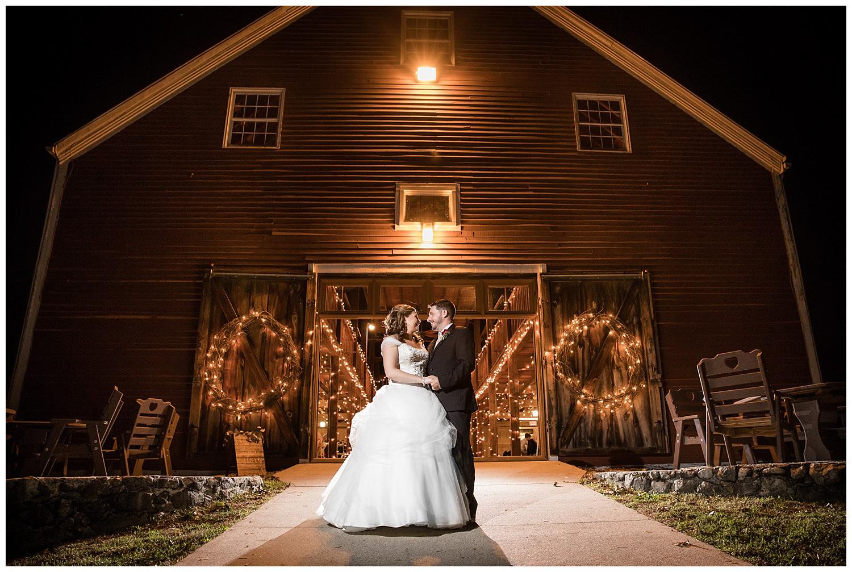 smith-barn-brooksby-farm-wedding-26-north-studios-boston-wedding-photographer-045.jpg