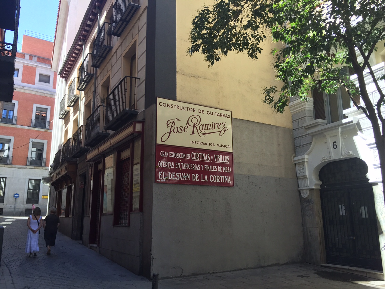 Guitarras Ramirez, Madrid; photo by John Warren