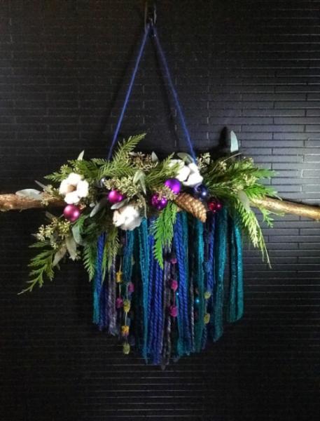 christmas-wall-decor-flowers.png