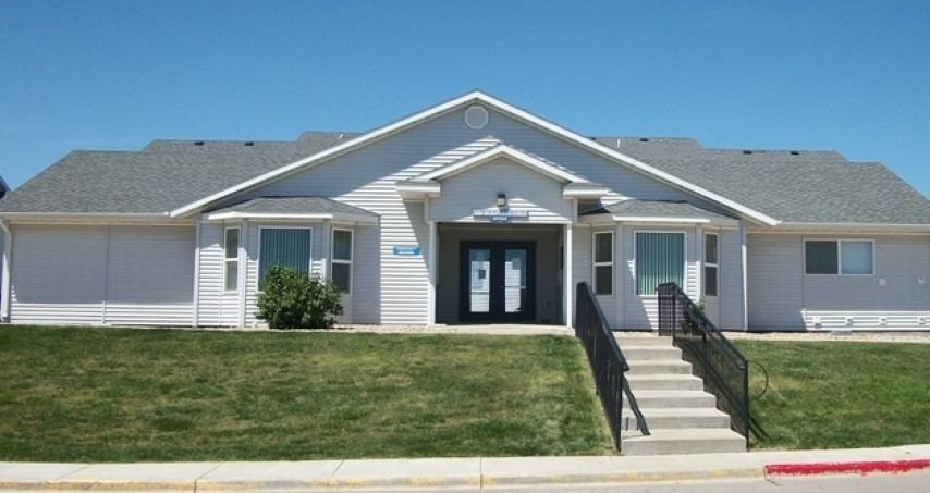 desert-run-apartments-gillette-wy-building-photo (Small).jpg