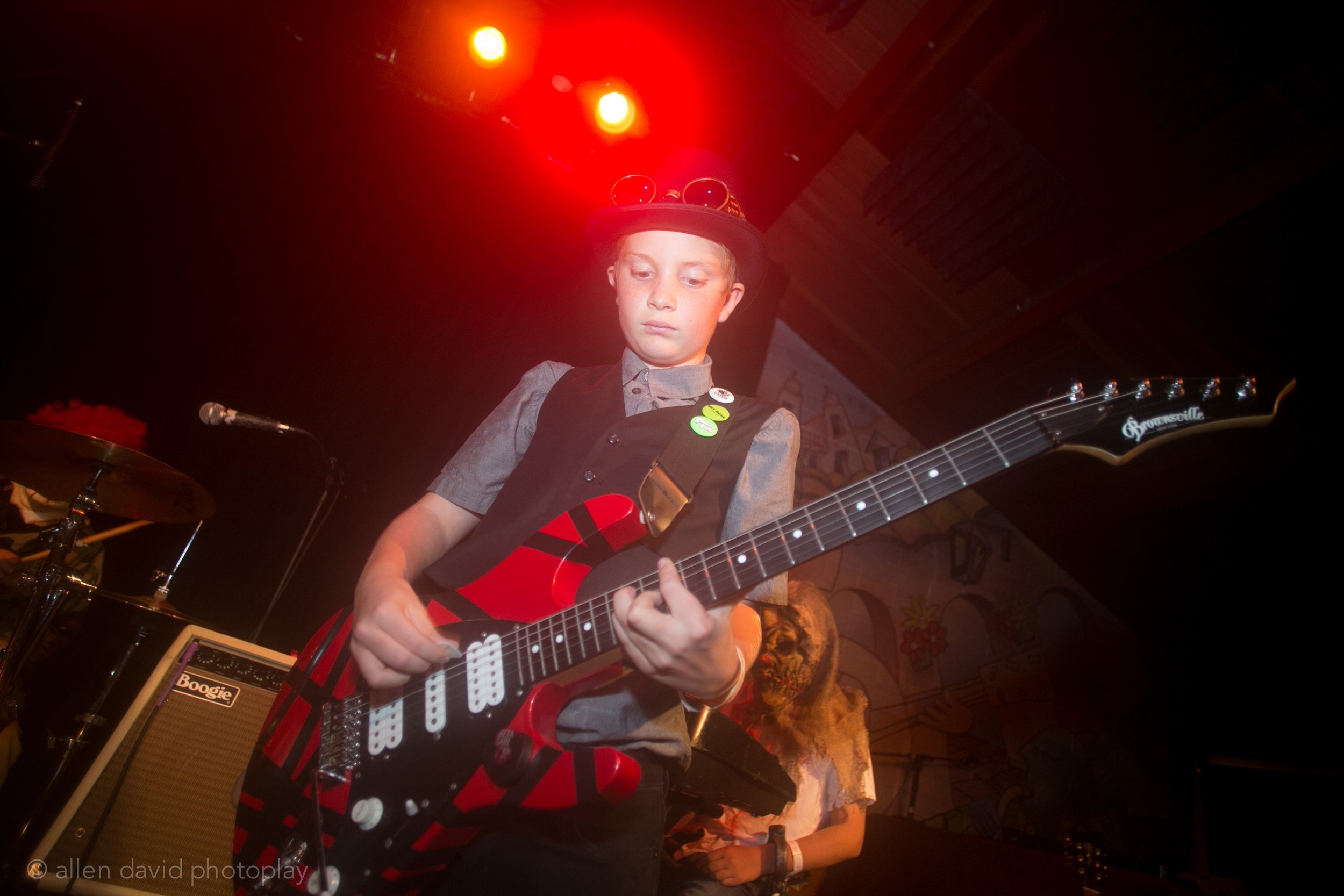 Thure rocks the guitar!