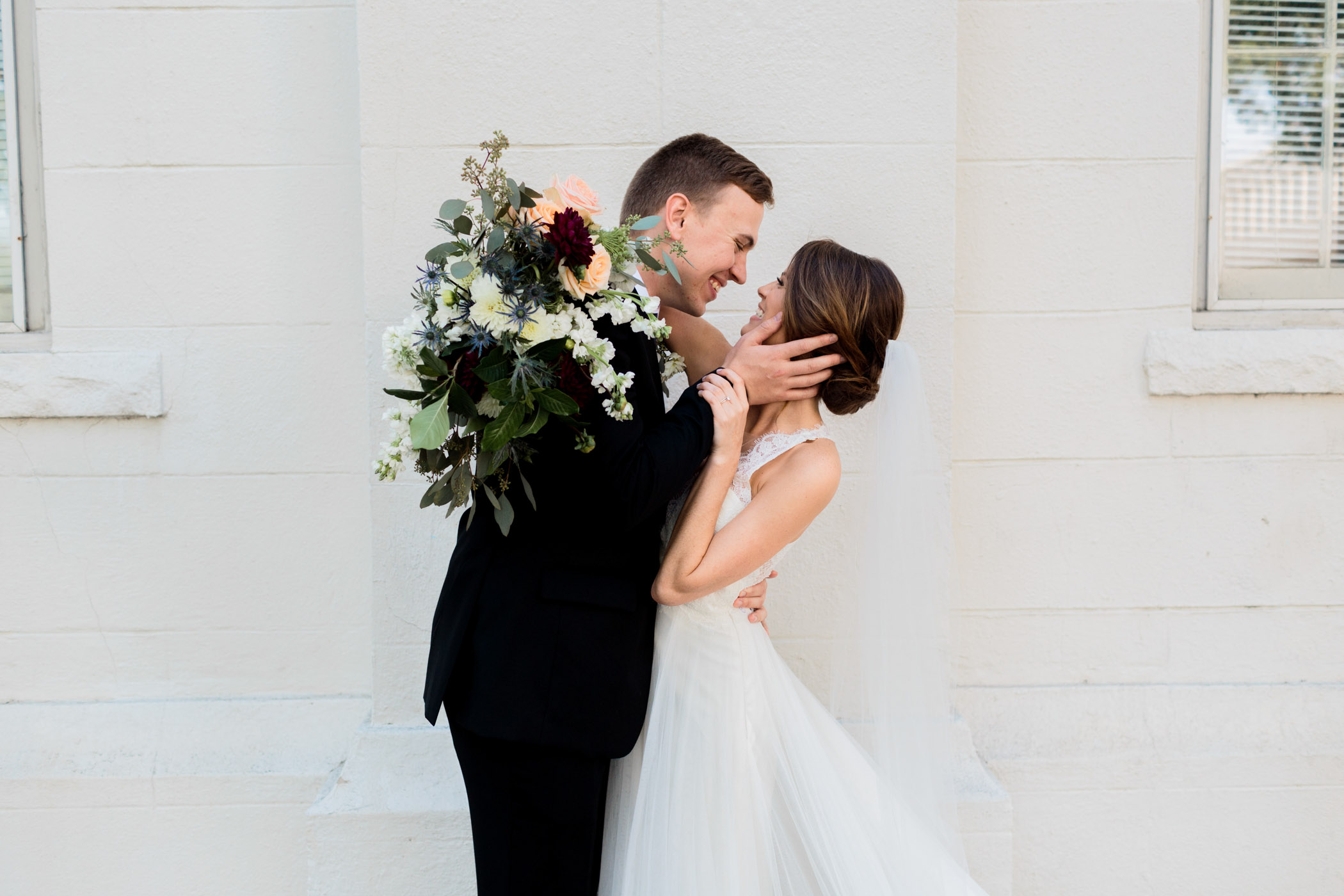 Downtown Raleigh Wedding Mim's House Vintage 21 church Lindsey Cash Photography
