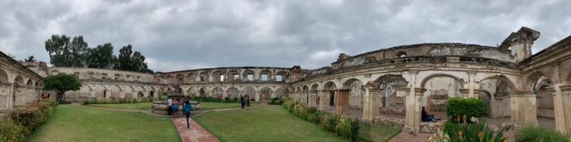 Courtyard in Convento Santa Clara