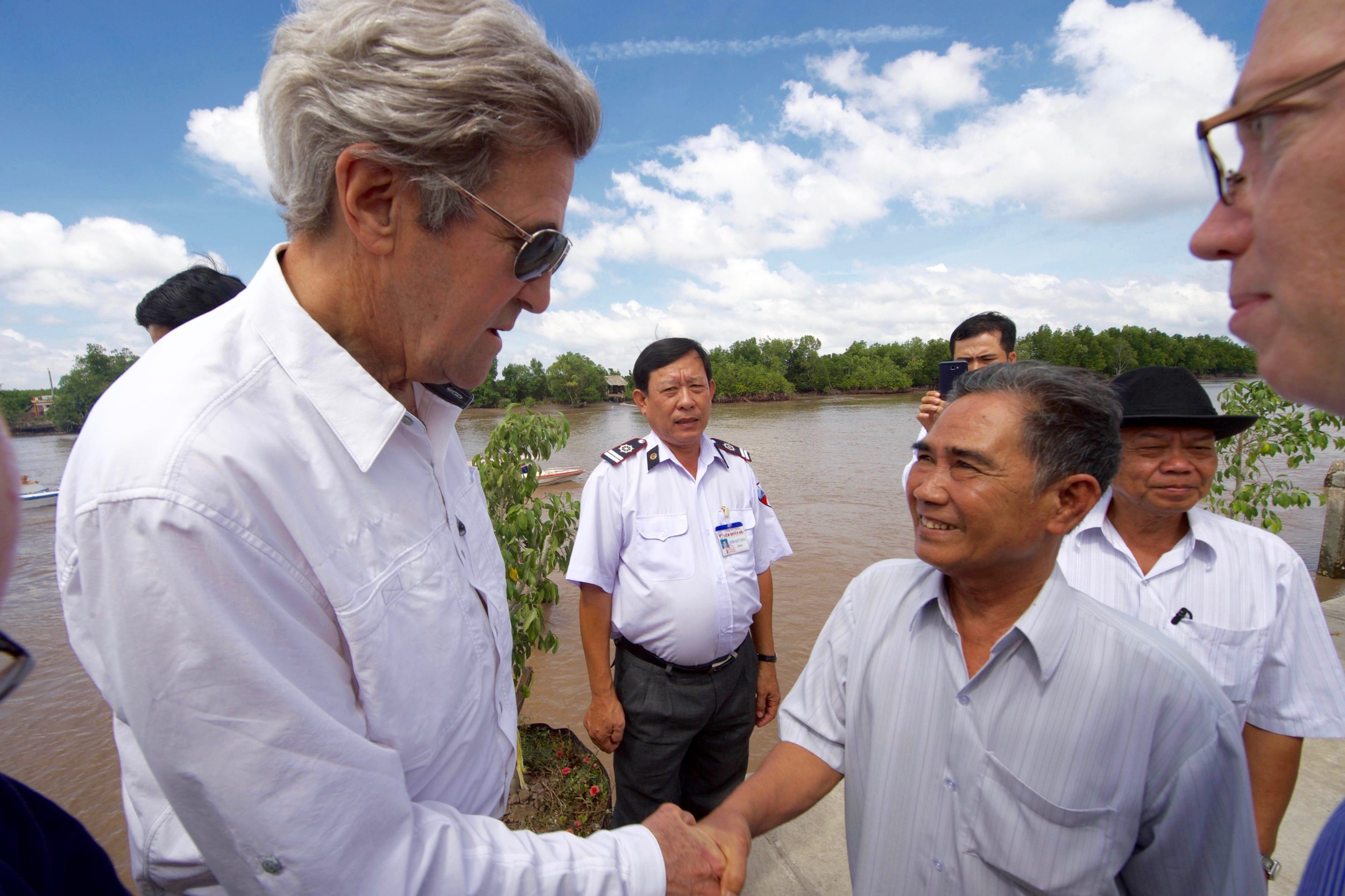 Secretary Kerry meets a former Viet Cong soldier who tells him the truth about that 1969 battle.