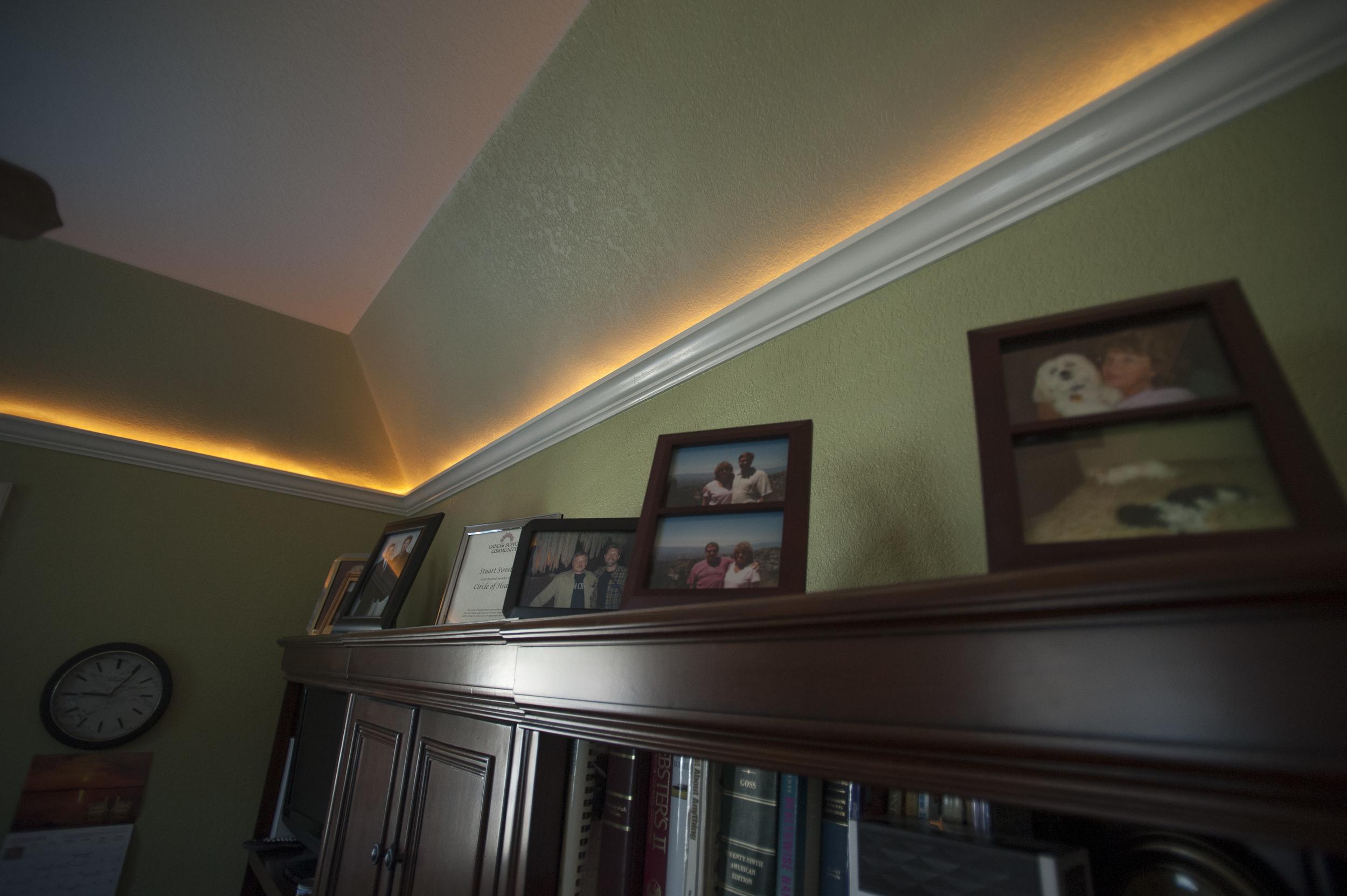 crown moulding lighting 1.jpg