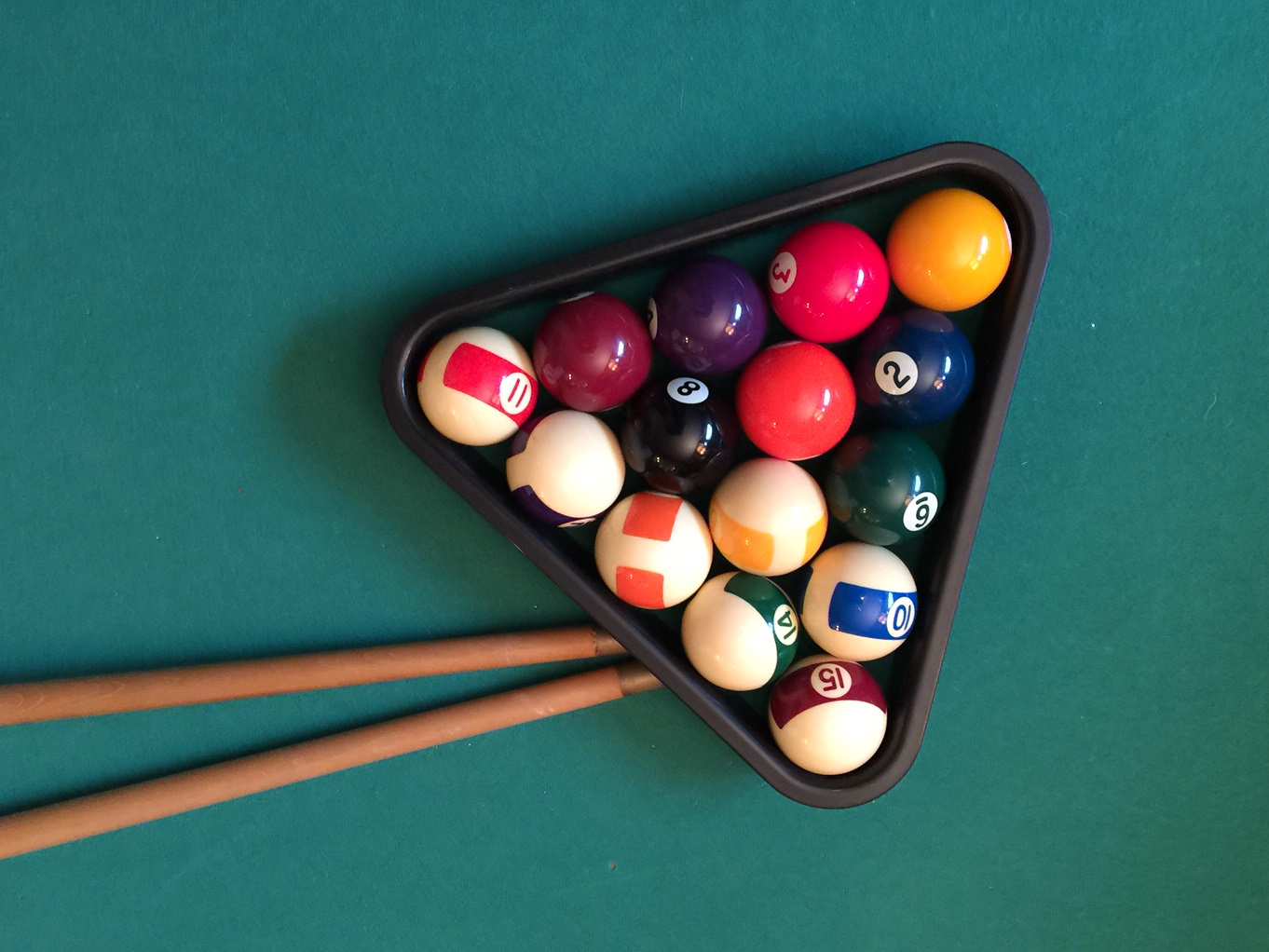Pool Balls & Cue sticks.jpg