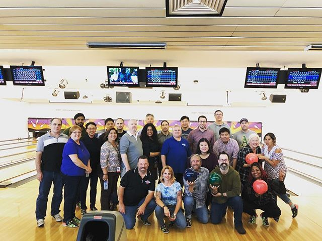Macy's IT department is in the house! There's no better way to do a team building event than bowling, beers, wings! #SF #Soma #Fun #Teambuilding #Eat #Play