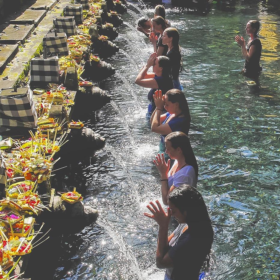 Bali Yoga Retreat temple ceremony