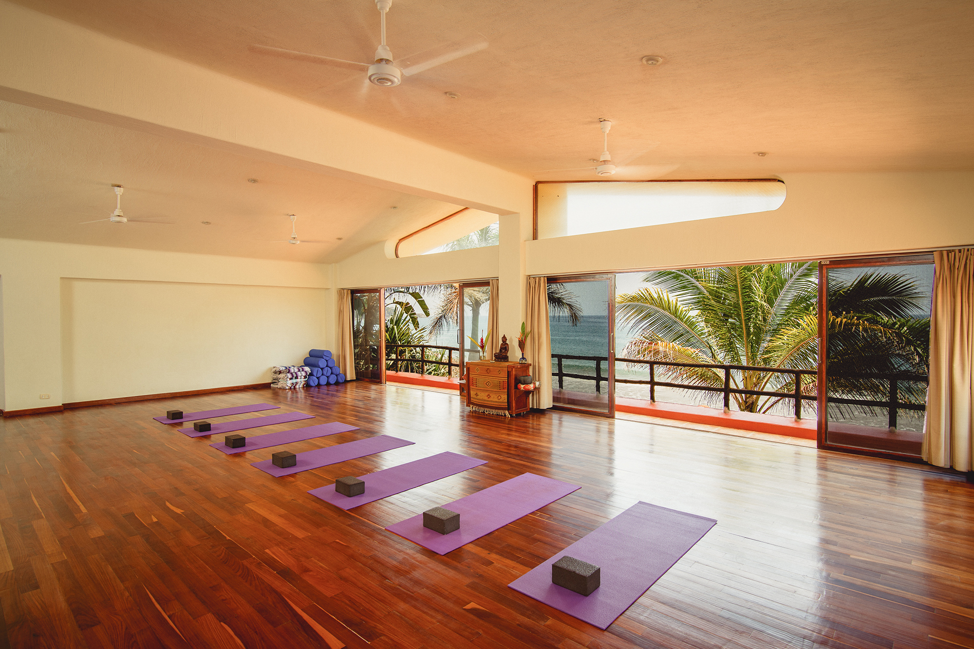 new-years-yoga-retreat-mexico-yoga-shala.jpg