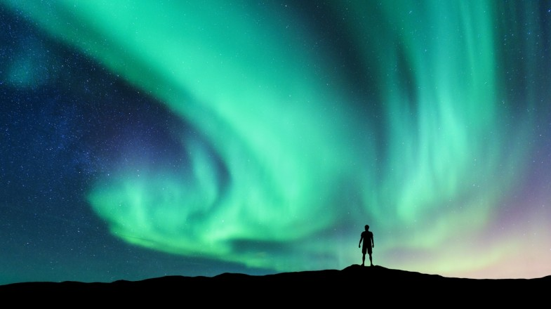 best-places-to-see-the-northern-lights-yoga-retreats.jpg