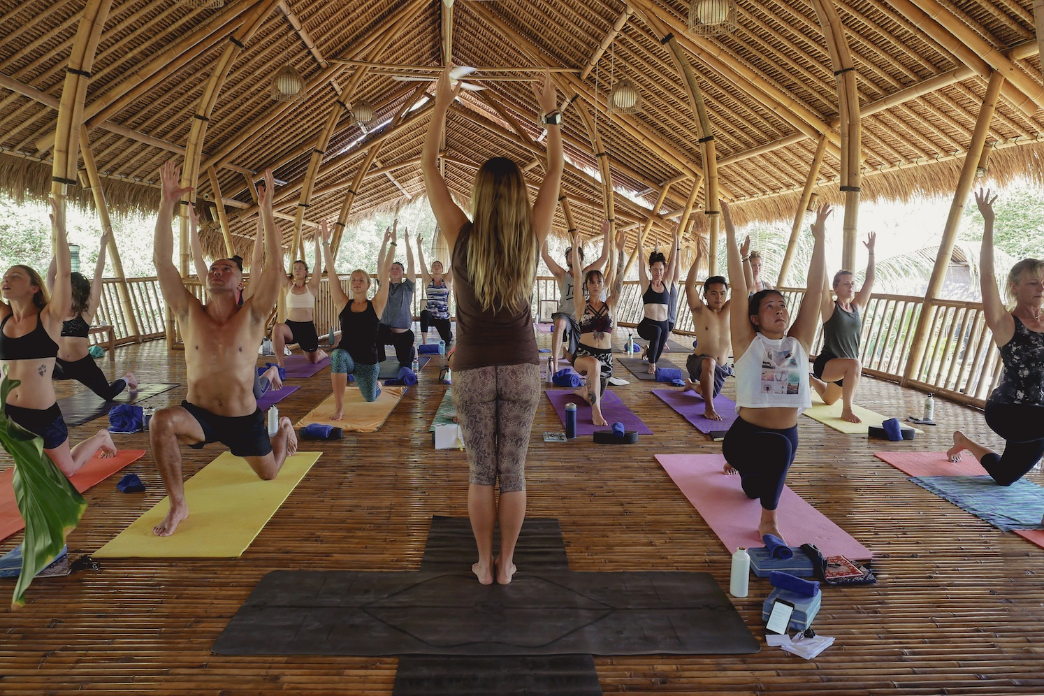 Sunday October 27th  6:45am - Breakfast 7:30am – Departure to Gili Meno Island 9:00 – Fast Boat Ride to Gili Meno 12:30pm – Check into  Seri Resort  FREE TIME 7:00pm – Dinner 8:30pm – Yin Yoga