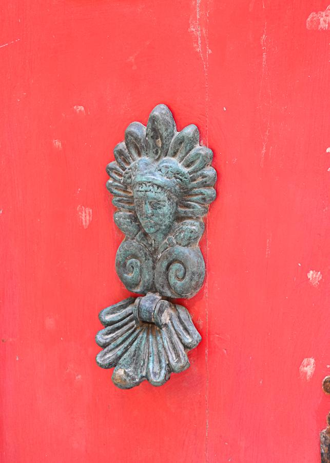 unique door colors and handles