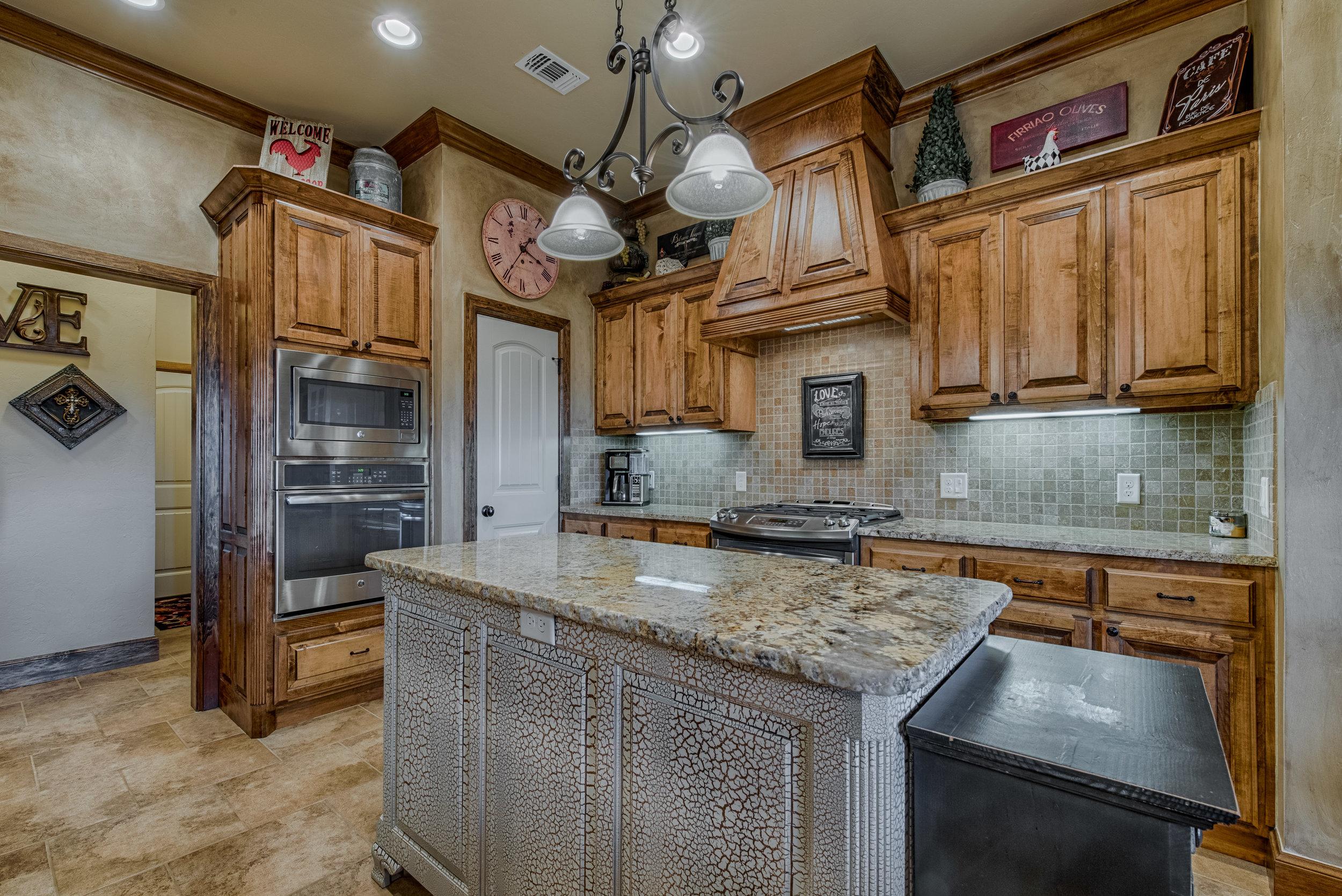 016-Kitchen.jpg