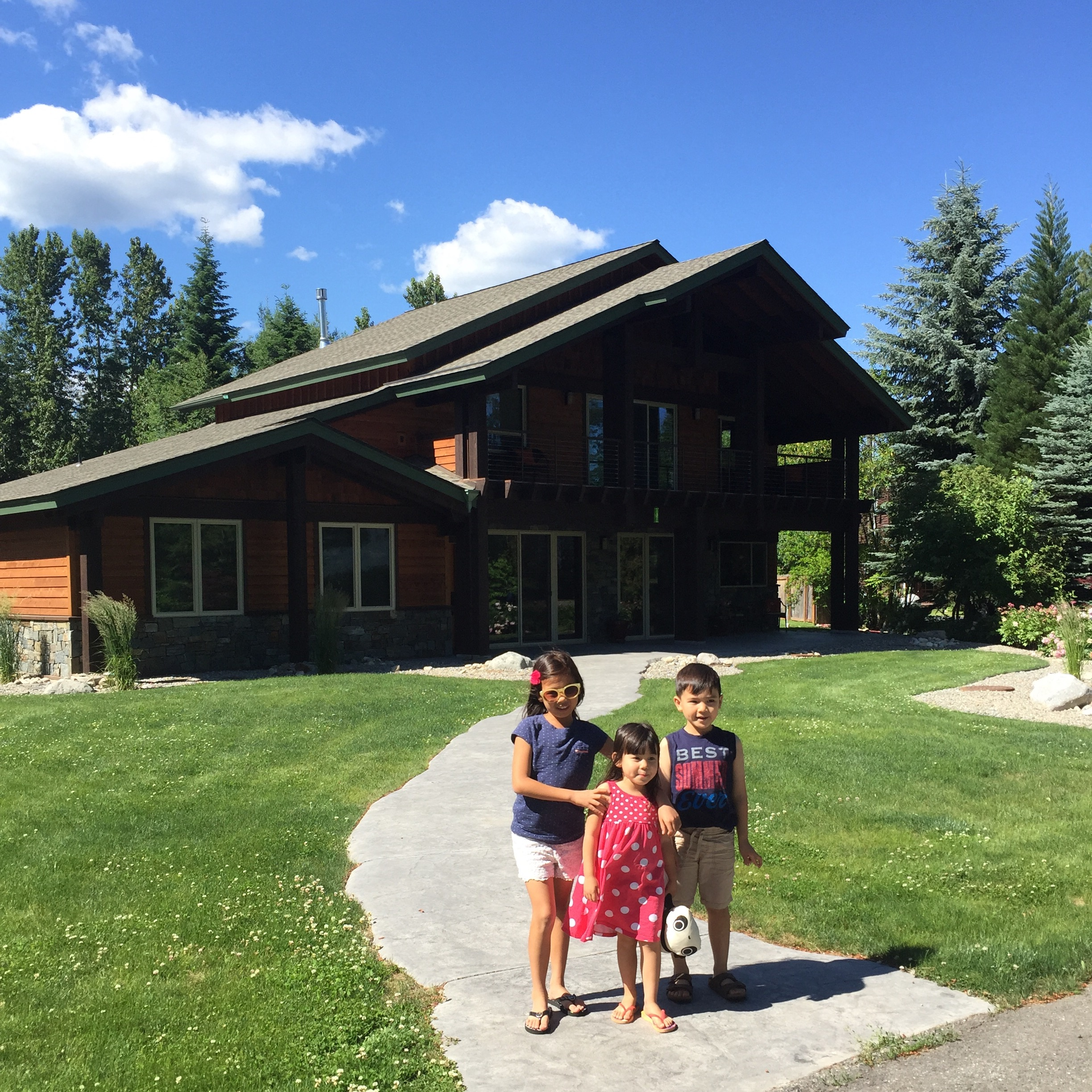 Lakeshore Lodge - You should rent this home.