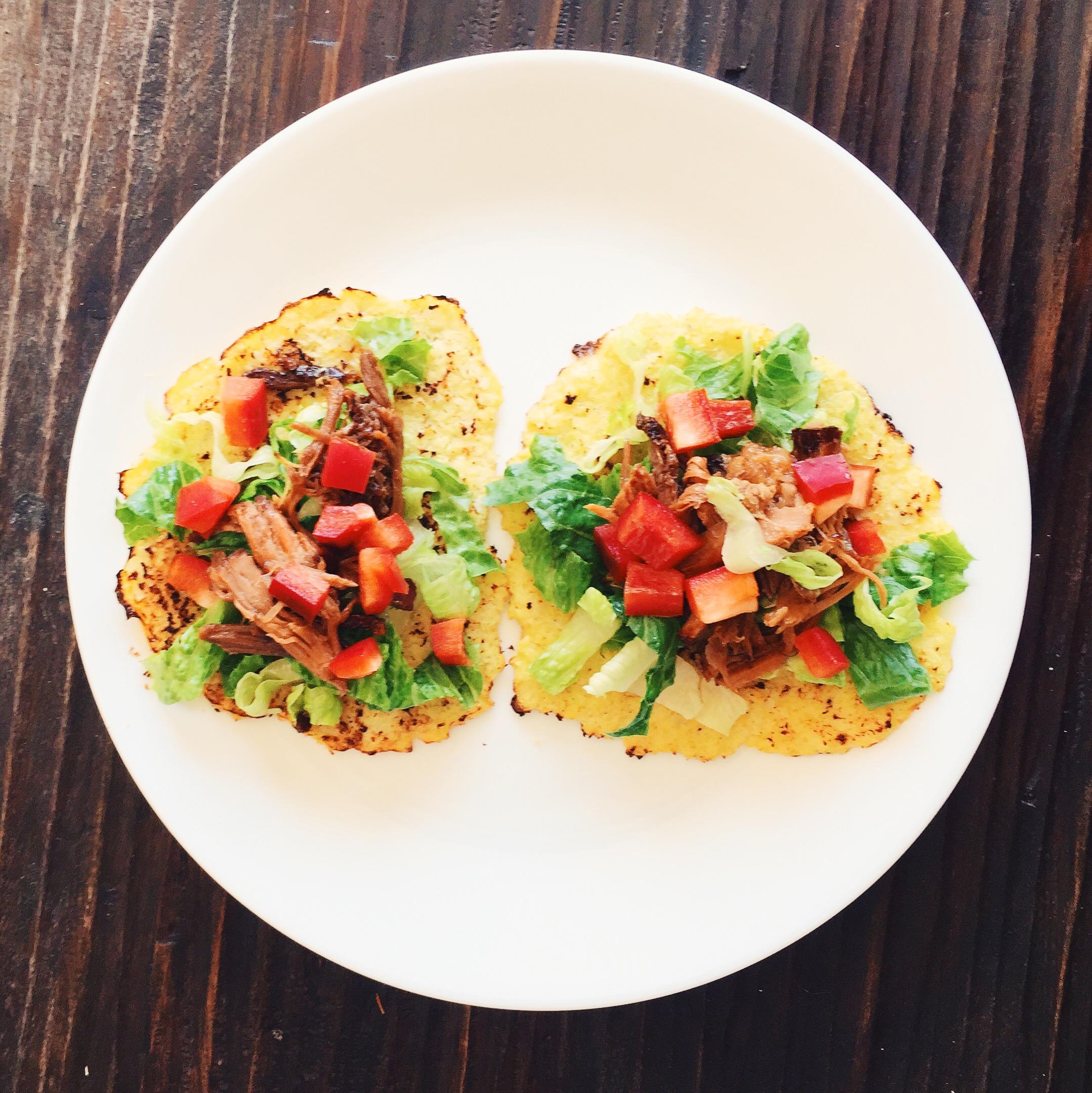 Cauliflower tortillas with pulled pork and veggies