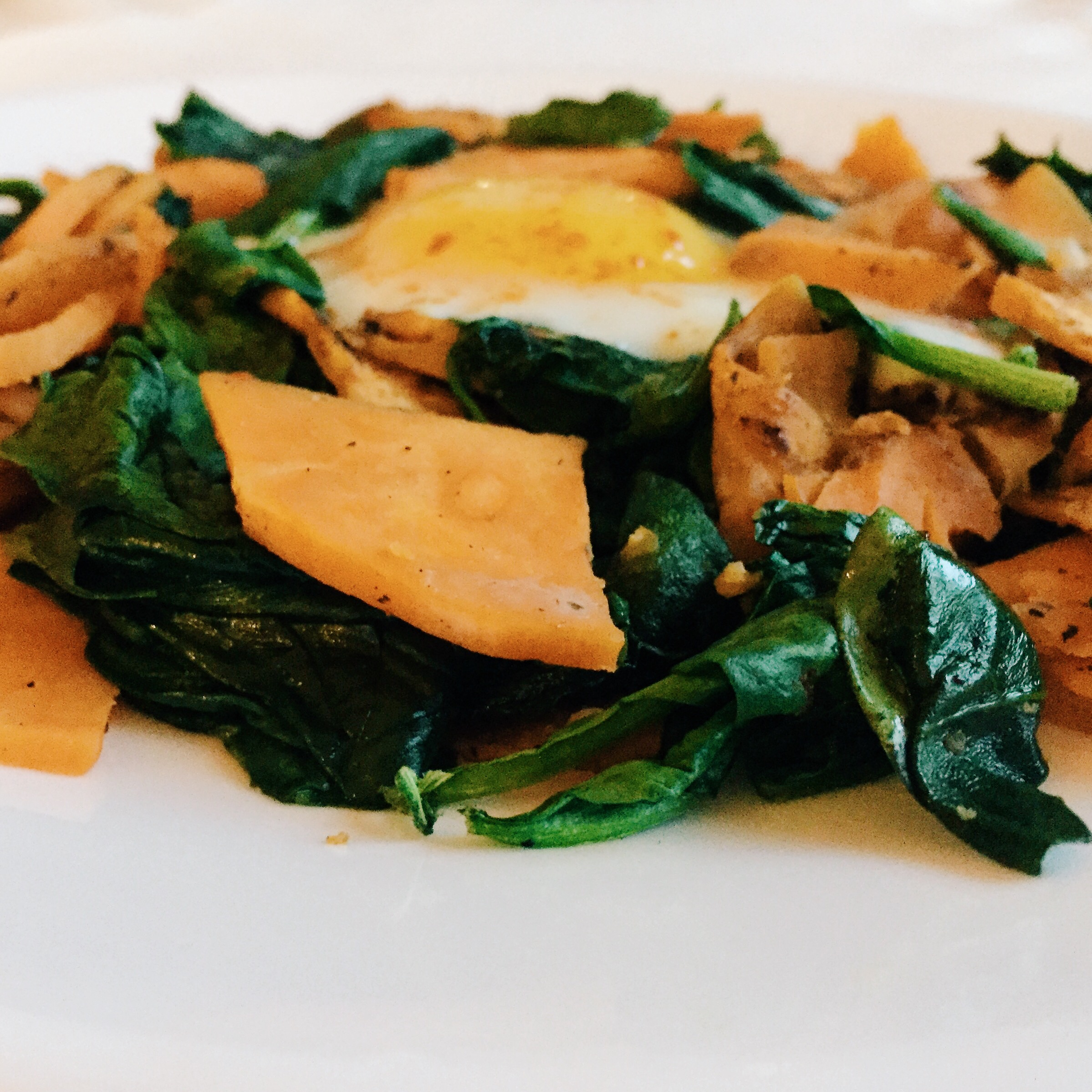 My easy and quick breakfast - spinach, sweet potatoes, and eggs. More recipes  here ,  here , and  here .