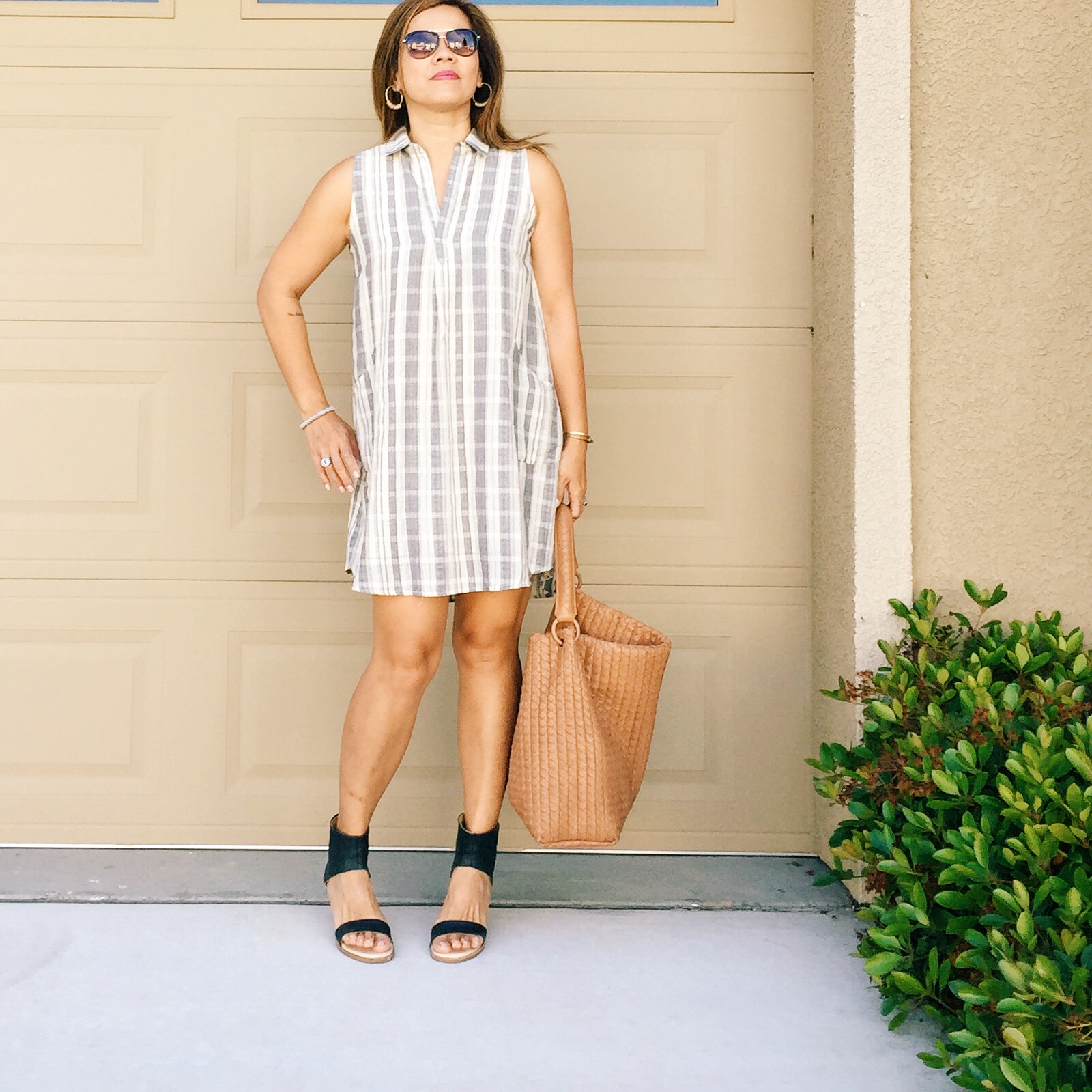 The brunch with the girls look with  La Vida plaid print t-shirt dress with front pockets