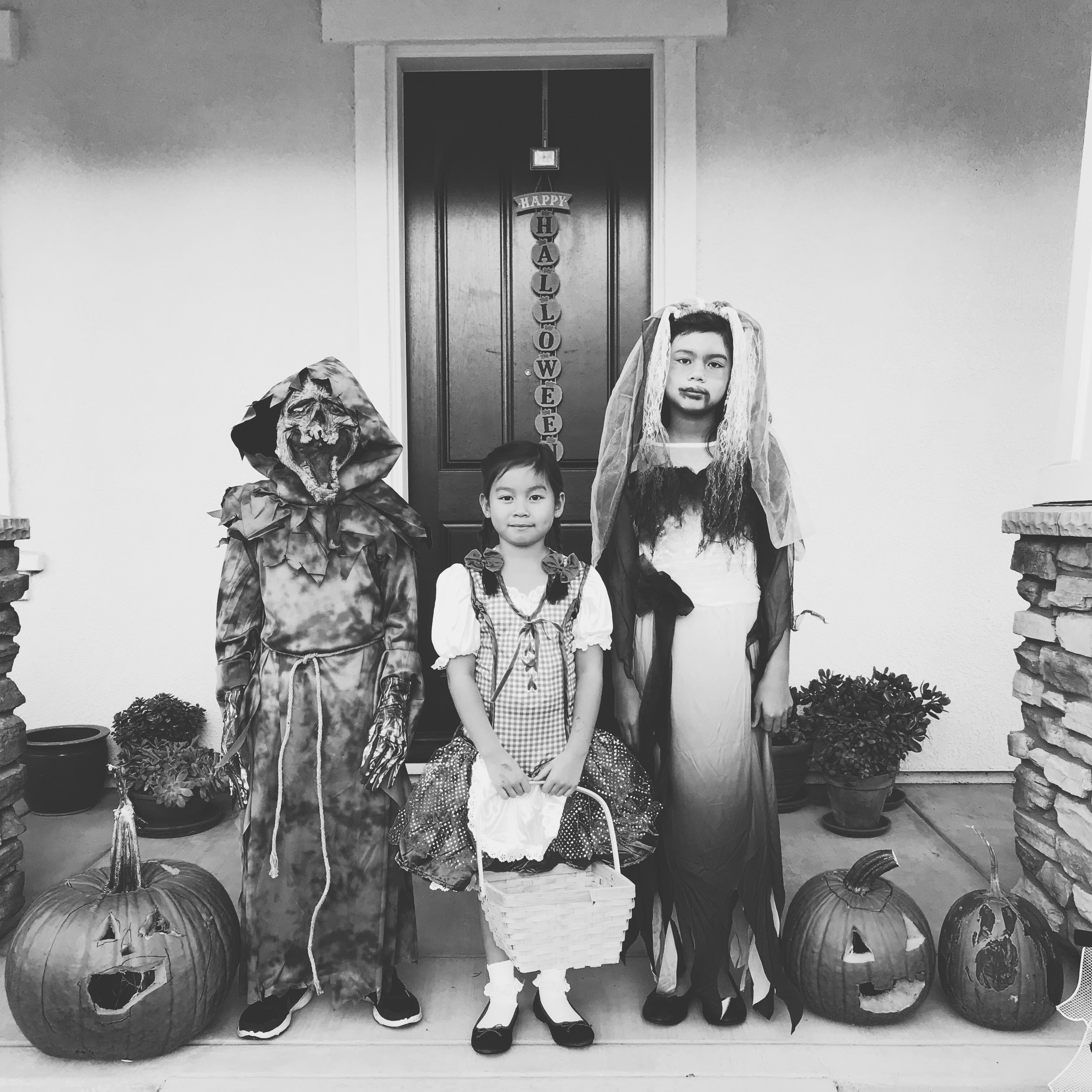 Momlikethat Orokids Costume Black and White 2017.JPG