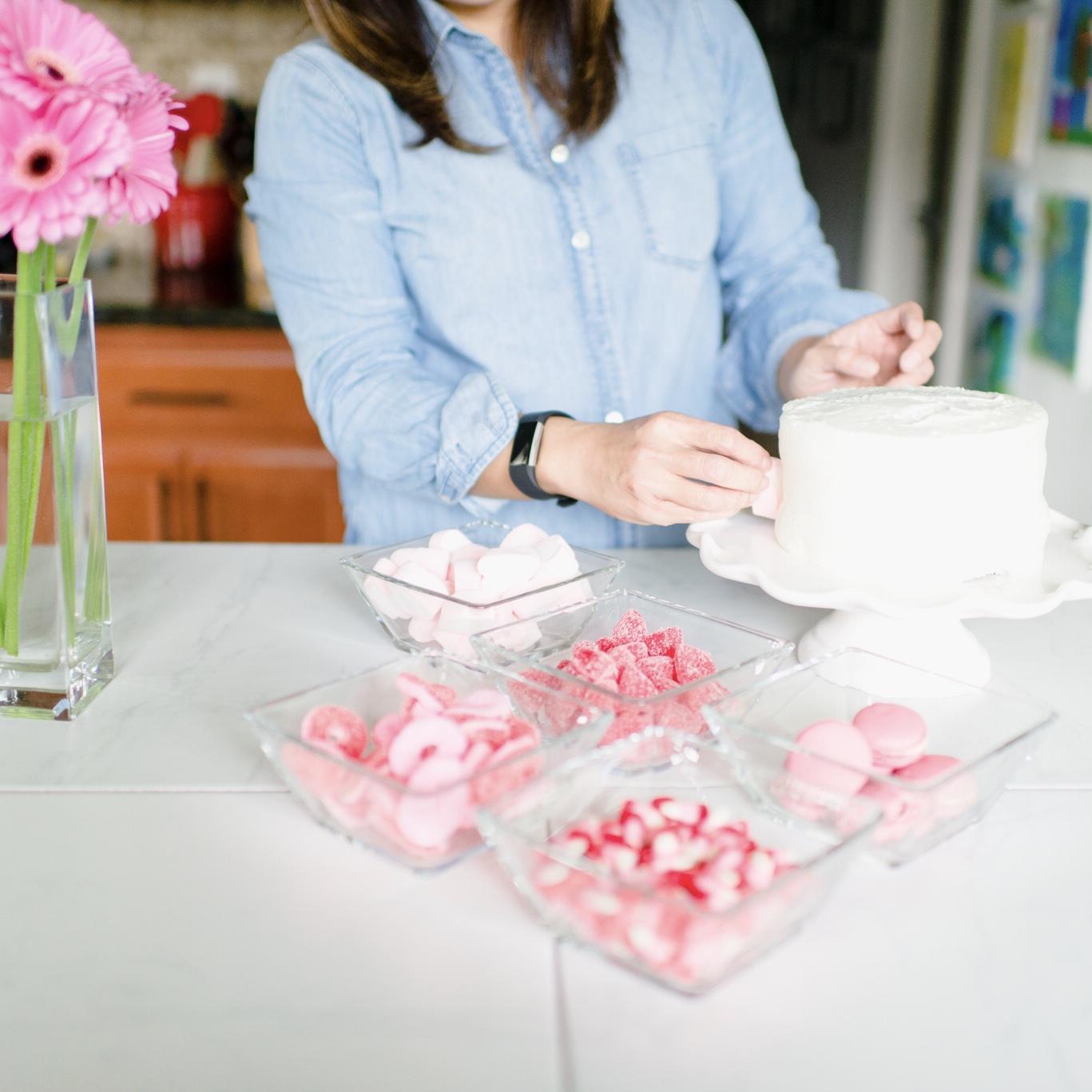 Momlikethat - Valentine's Day Cake 01.jpg