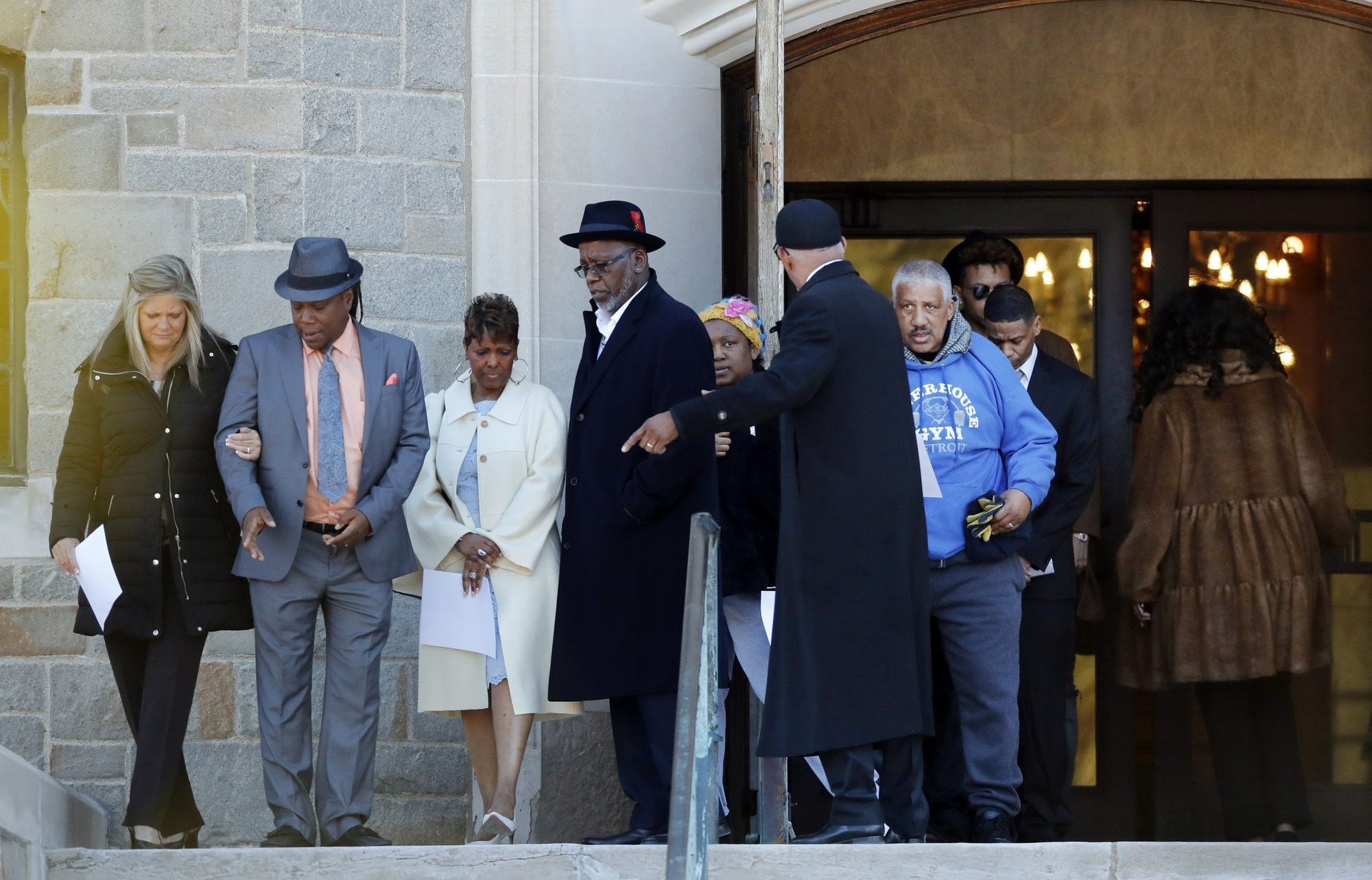 "amily members of the late Aretha Franklin gather before entering the Mausoleum Chapel at the Woodlawn Cemetery, Monday, March 25, 2019, in Detroit. Family celebrated Franklin and other passed family members with a memorial service inside a chapel at the cemetery on what would have been the Queen of Soul's 77th birthday. Franklin died last year after battling pancreatic cancer. Sabrina Owens, Franklin's niece, says ""our family thought it might be a good idea for us to start the day the right way _ in prayer."" (AP Photo/Carlos Osorio)"