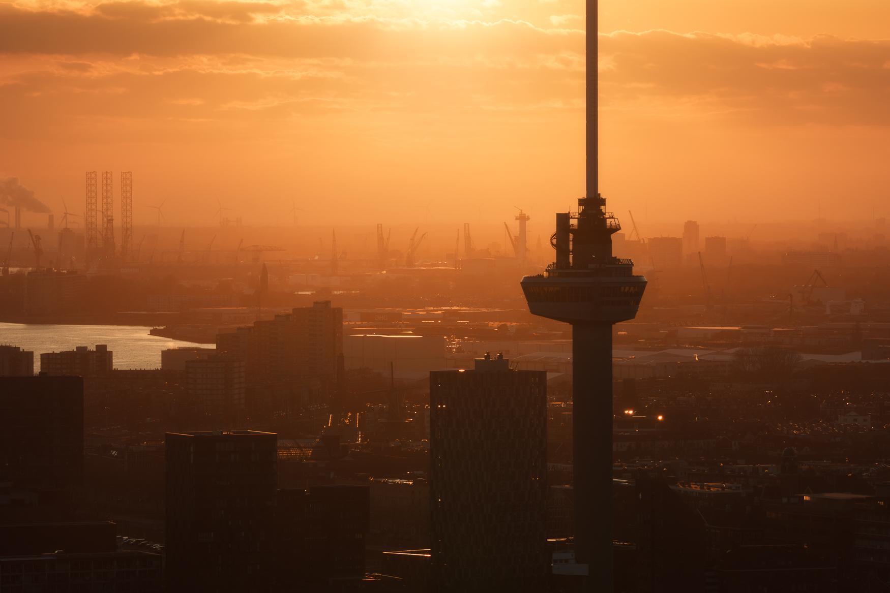 Euromast_Rotterdam_Sunset.jpg